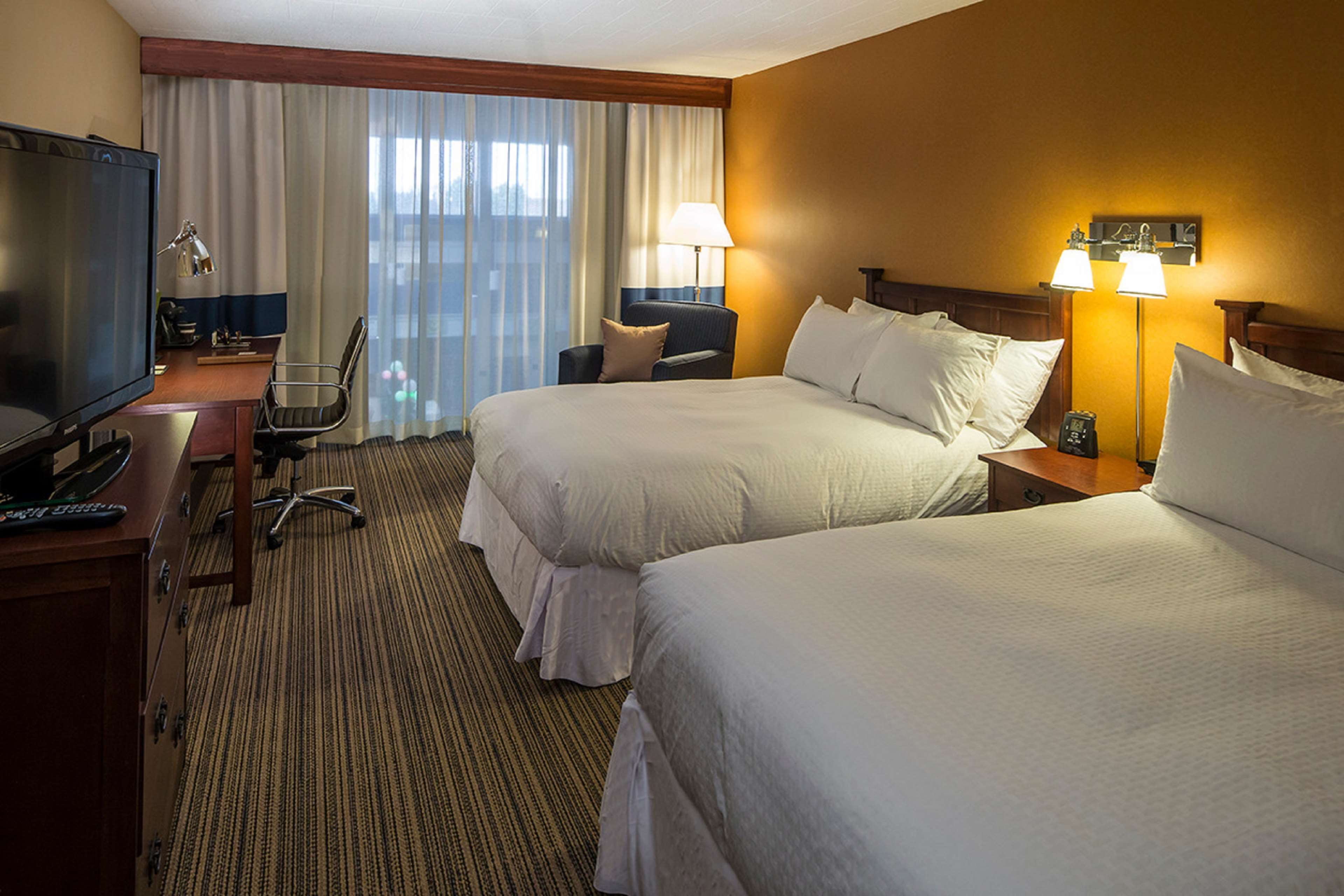 DoubleTree by Hilton Hotel Pittsburgh - Cranberry image 27