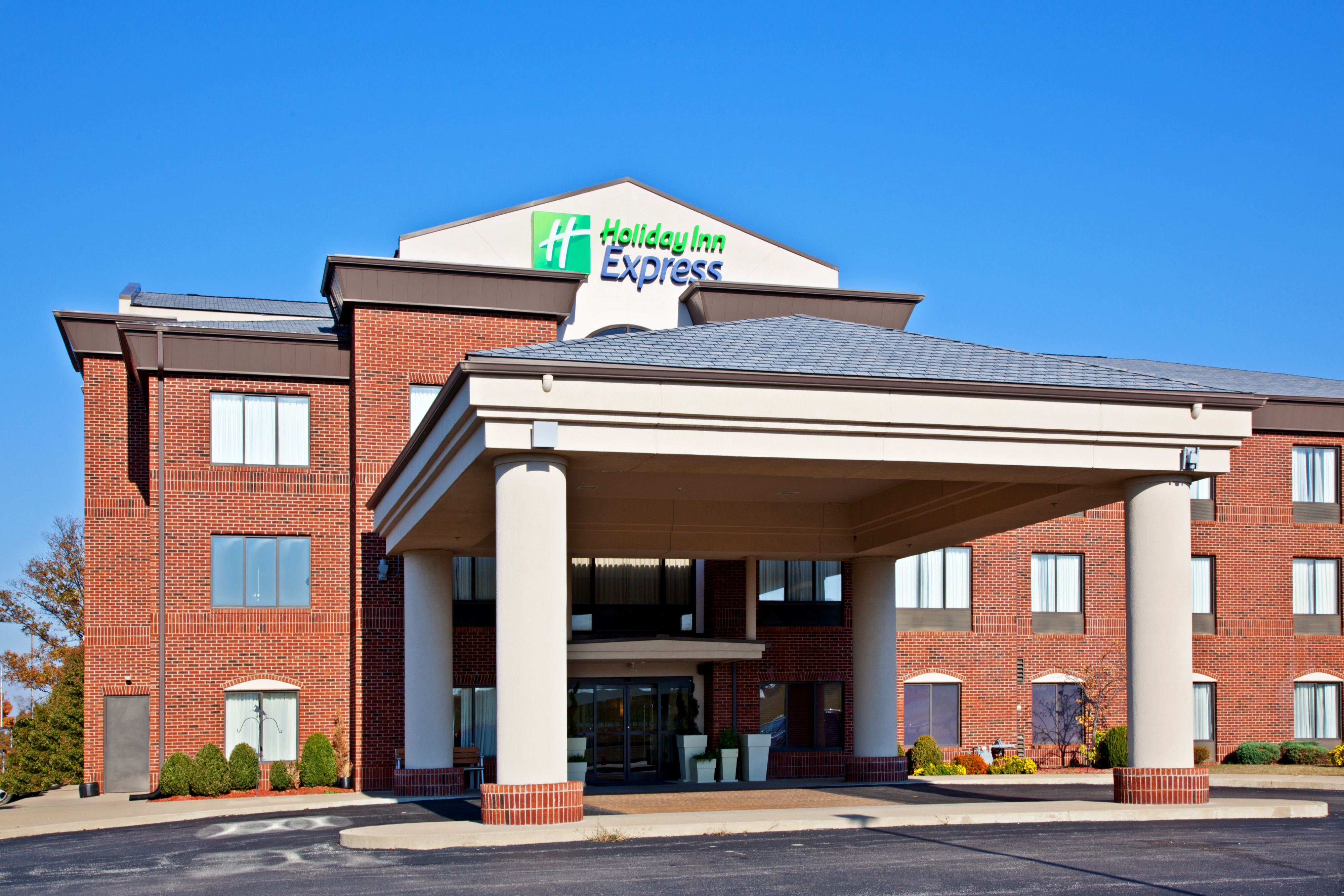 Holiday Inn Express Shelby @ Hwy 74 image 5