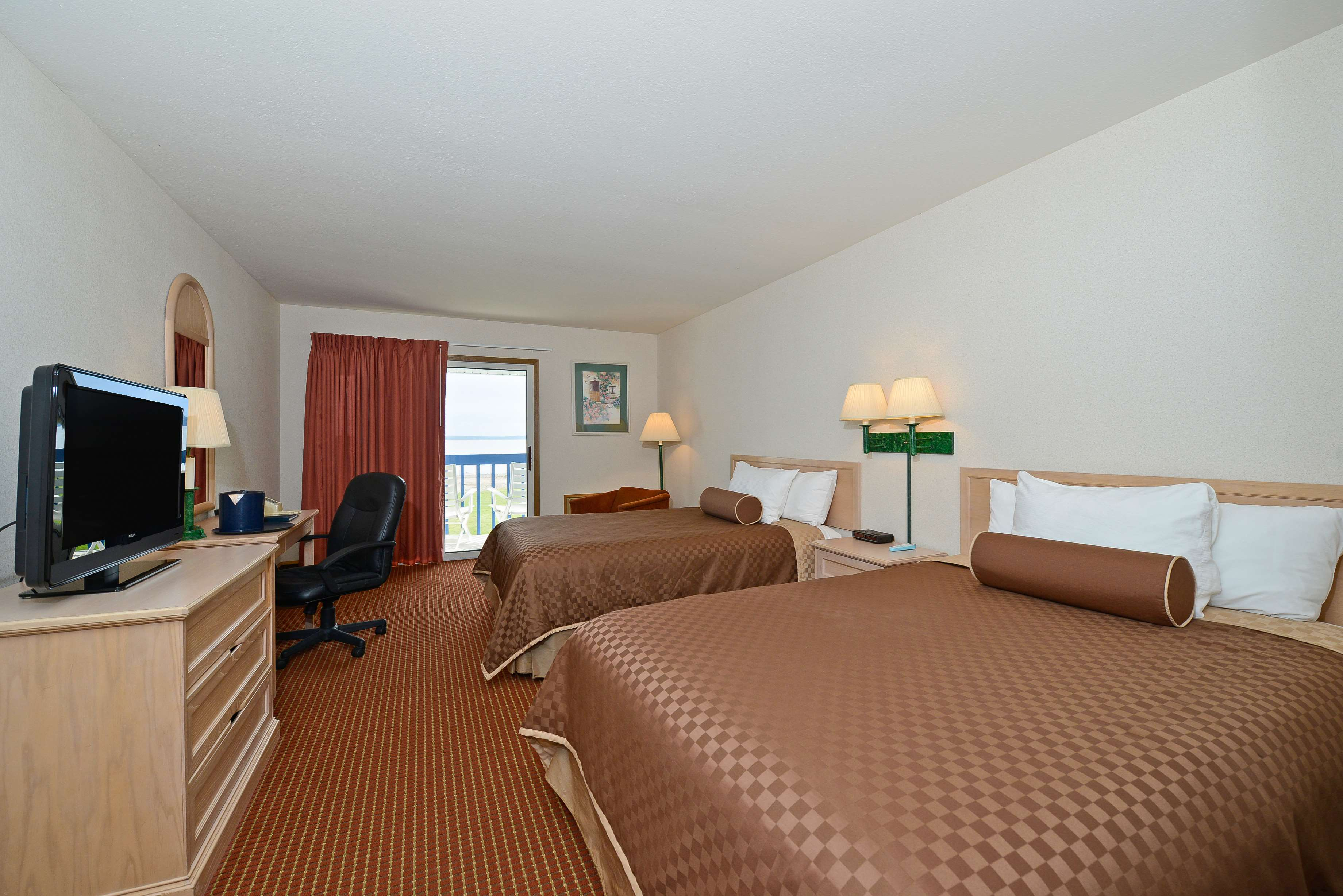 Best Western Harbour Pointe Lakefront image 44
