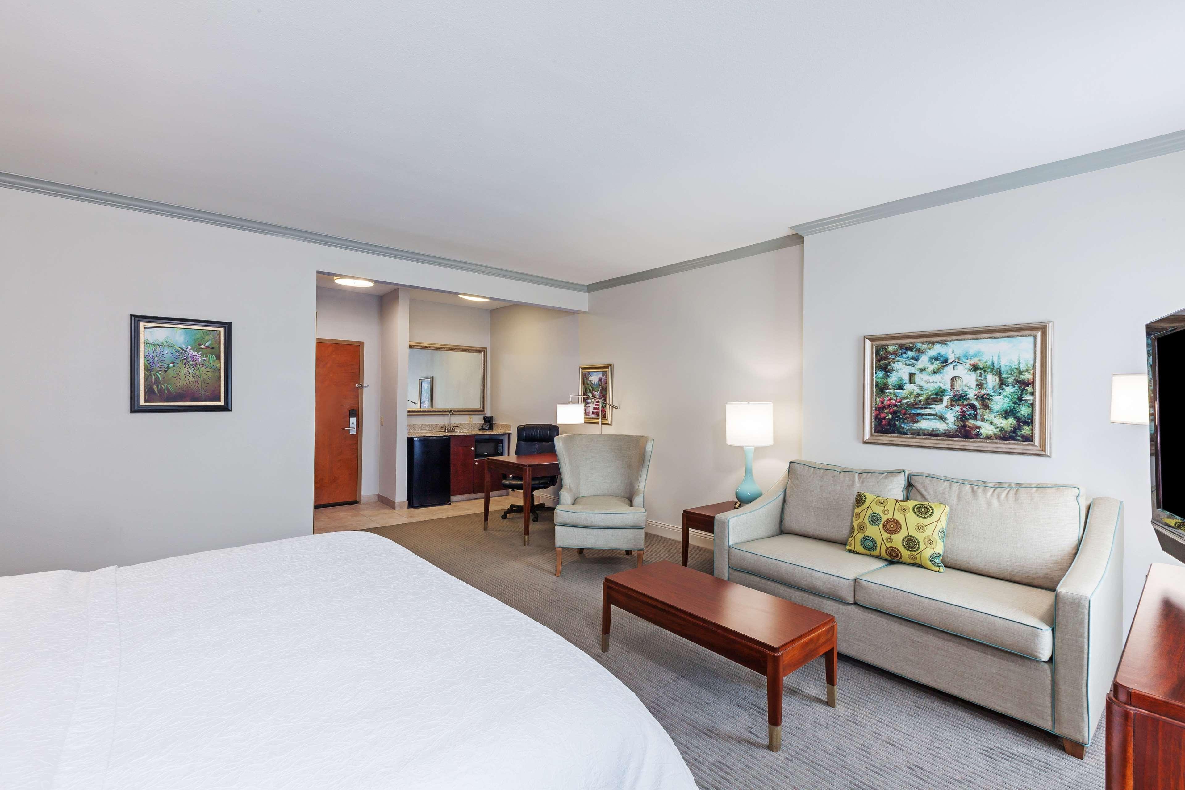 Hampton Inn & Suites Houston-Westchase image 14