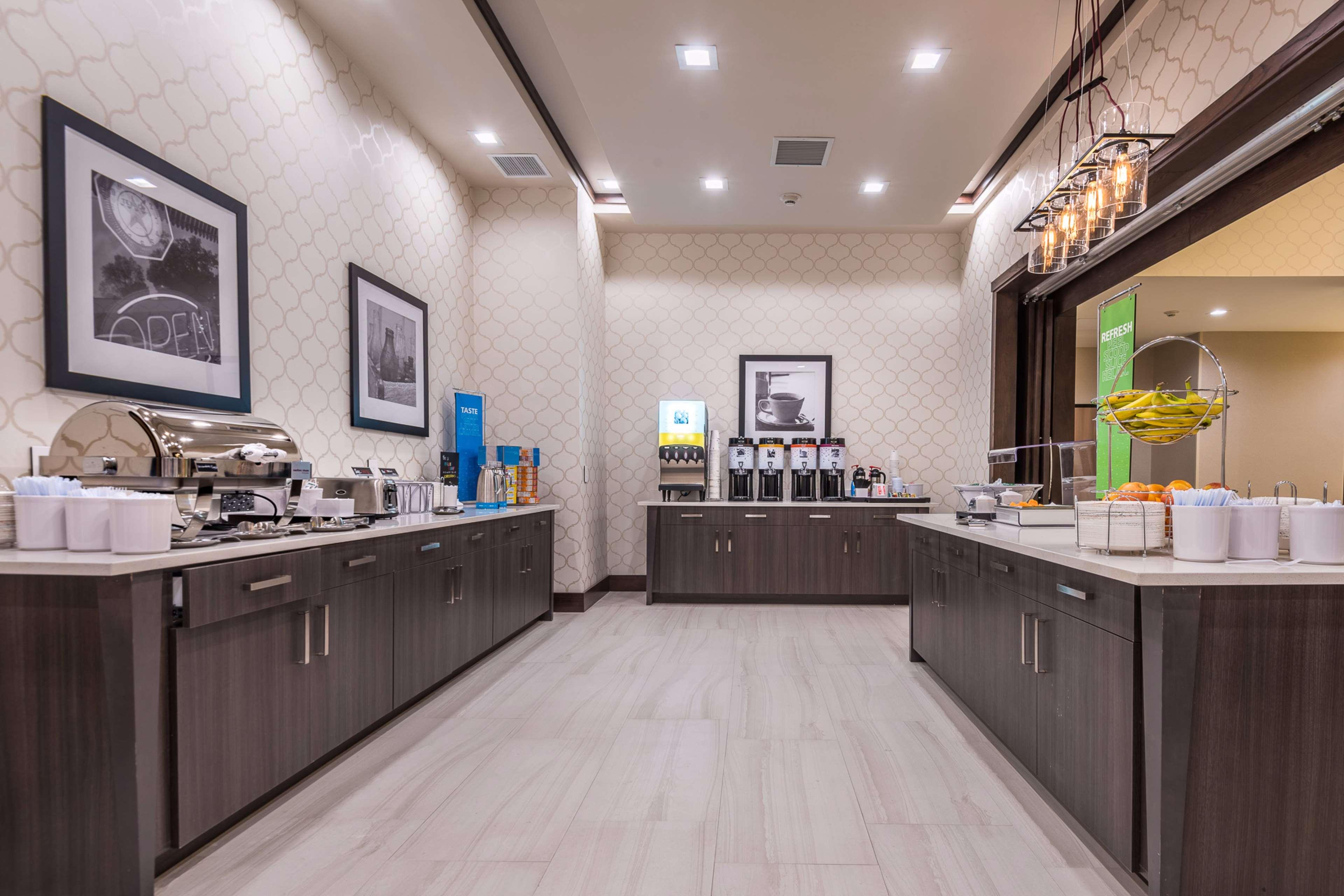 Hampton Inn & Suites Dallas-The Colony, TX image 10