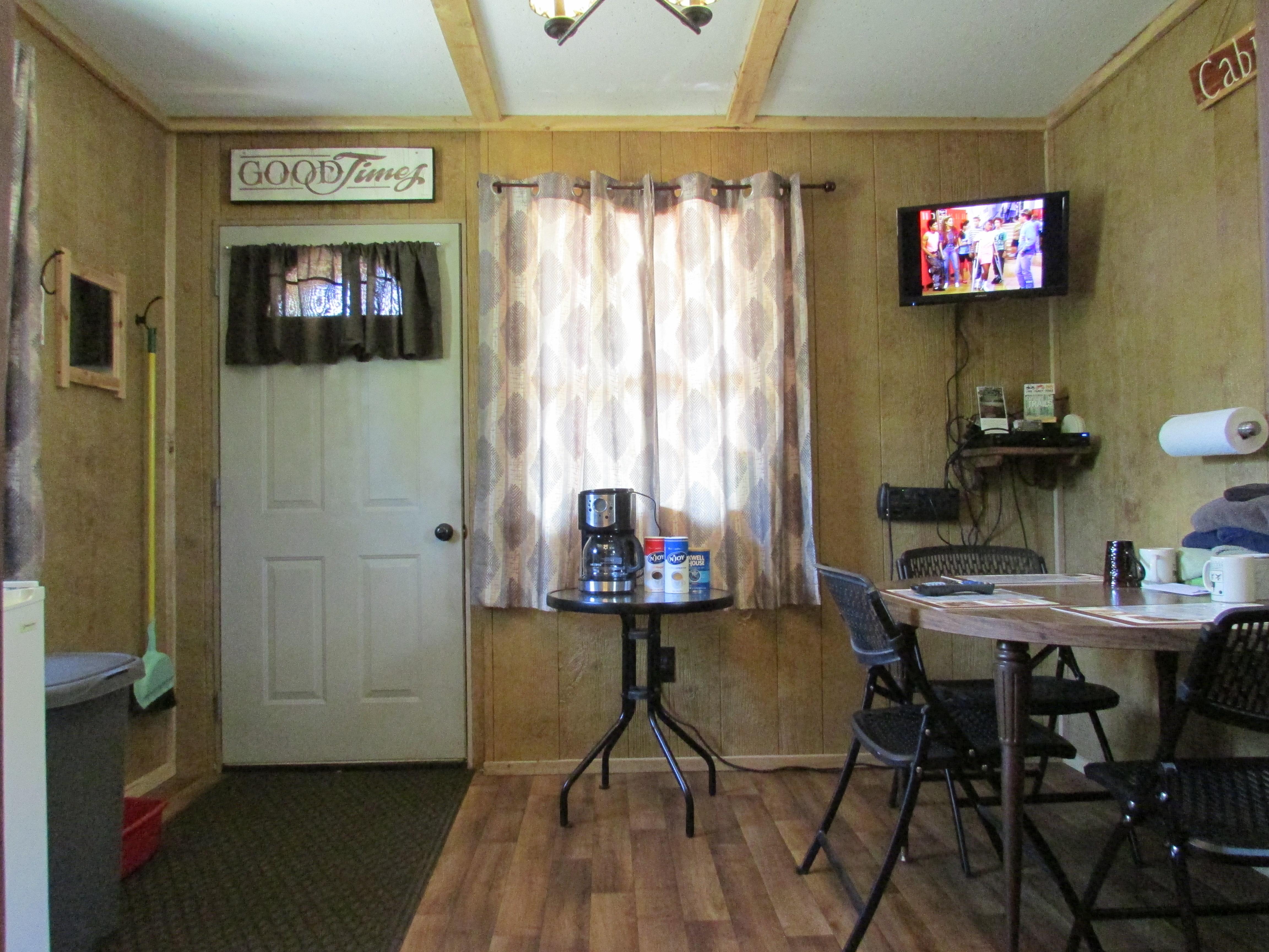 Best Bear Lodge & Campground Baldwin/Irons Area image 7