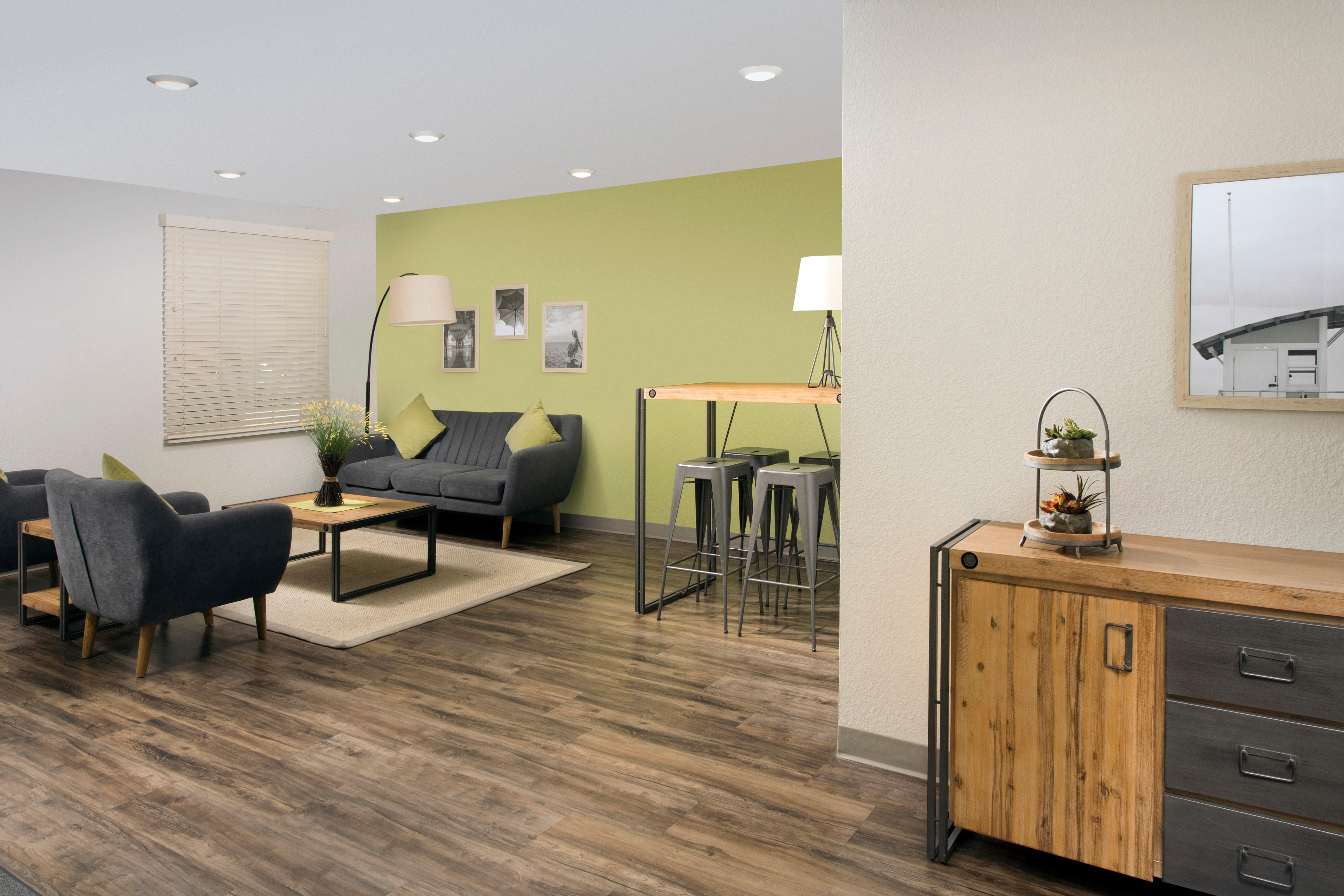 WoodSpring Suites Clearwater image 6