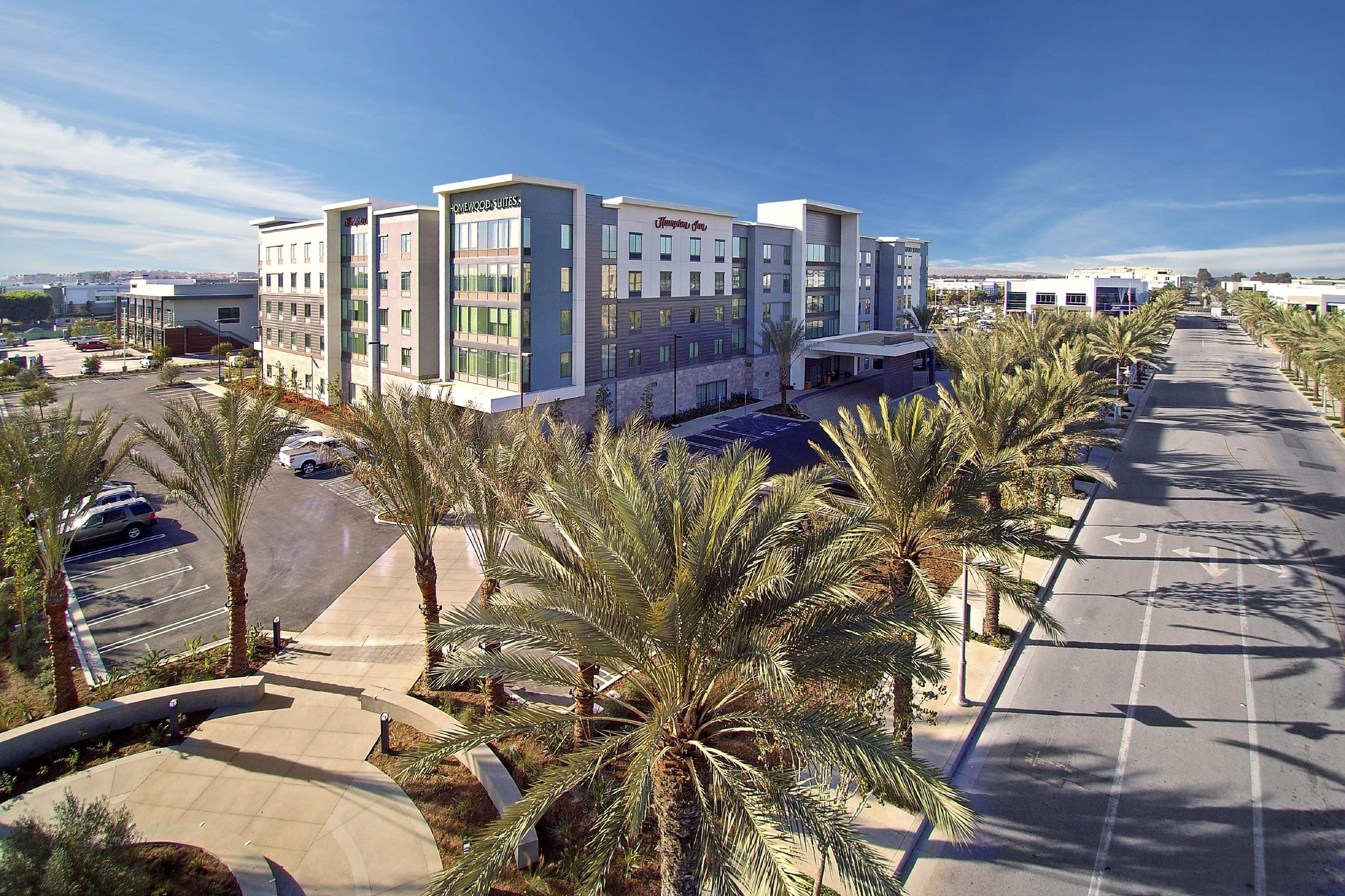 Hampton Inn Long Beach Airport image 6