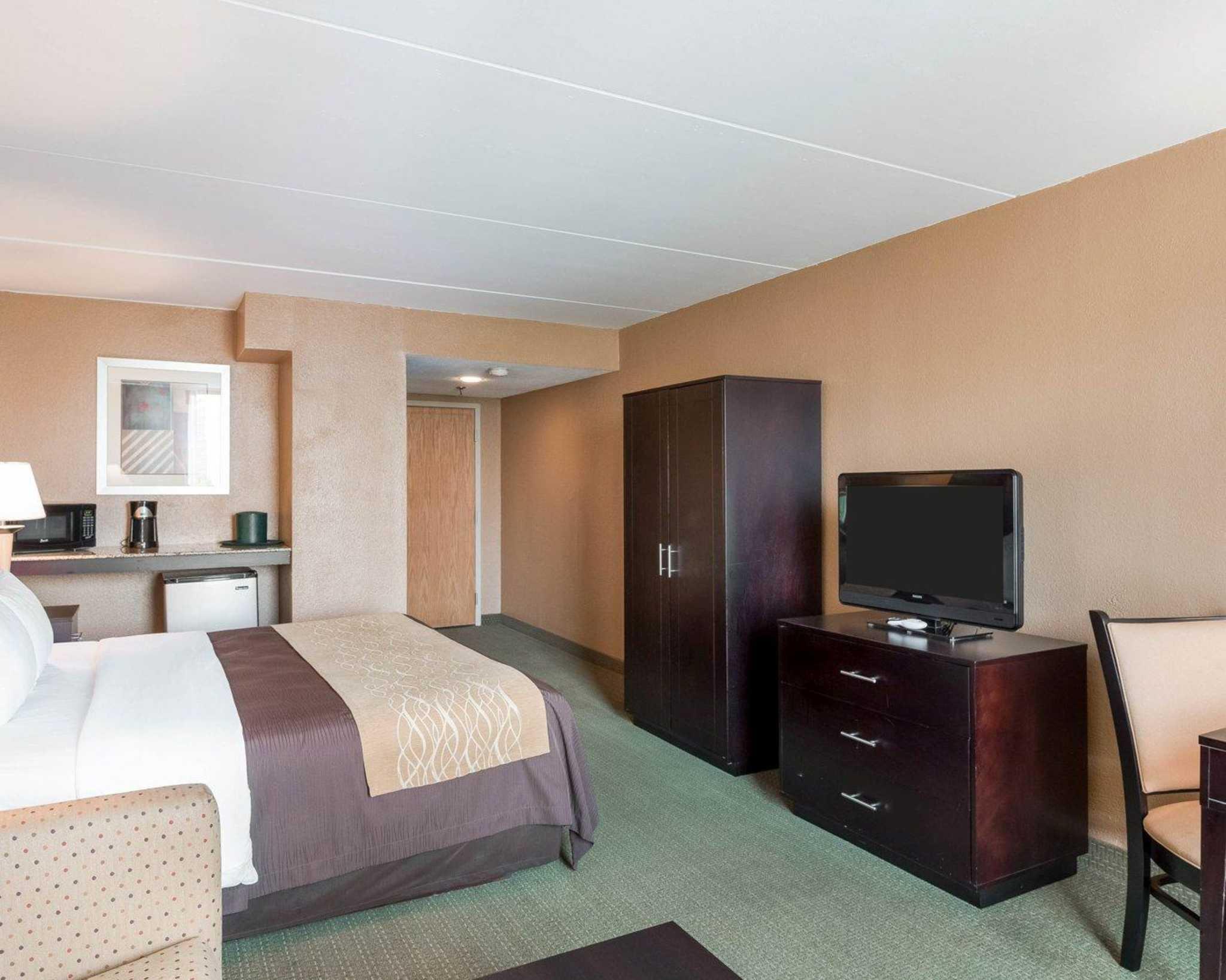 Comfort Inn Gold Coast image 4