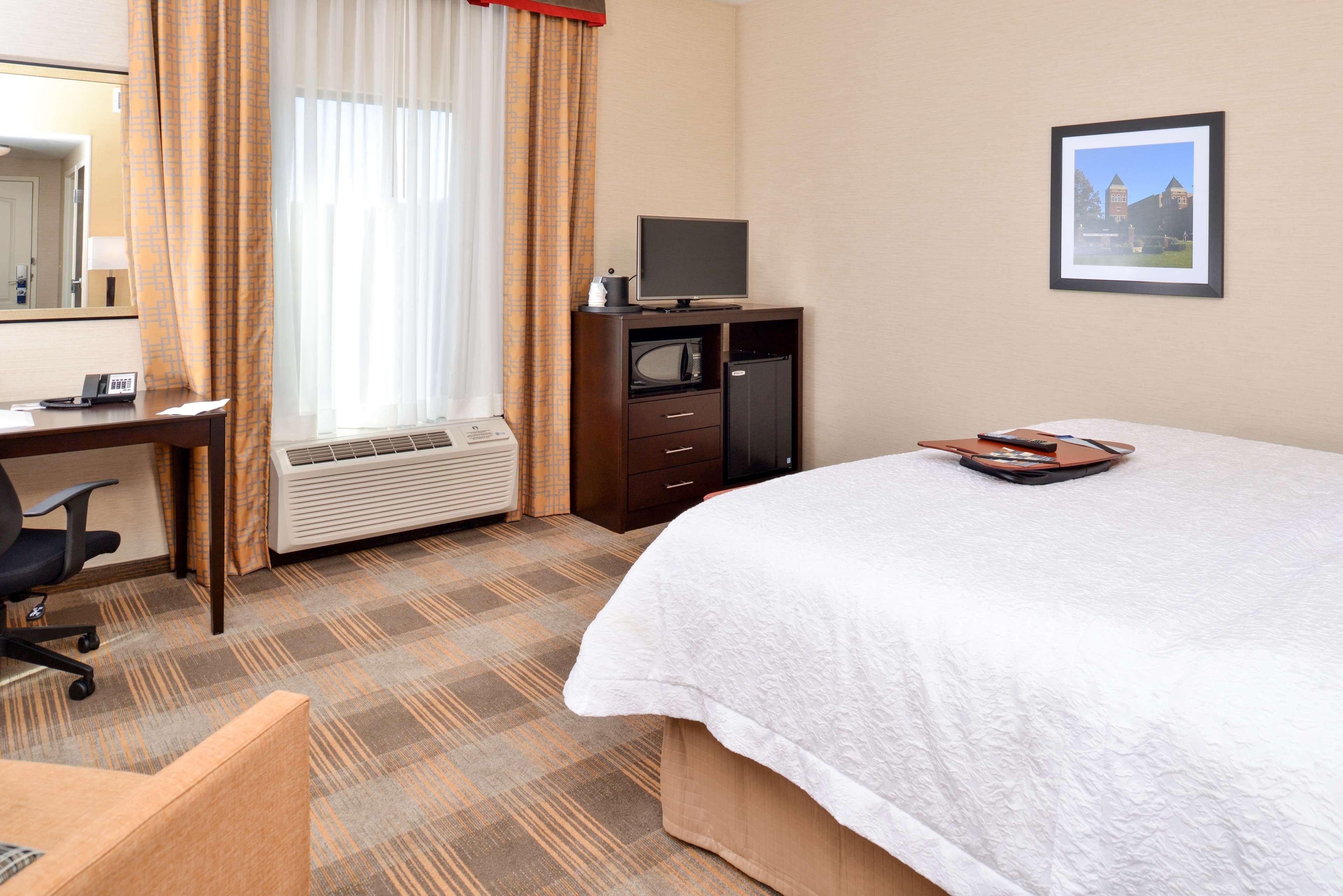 Hampton Inn & Suites California University-Pittsburgh image 24
