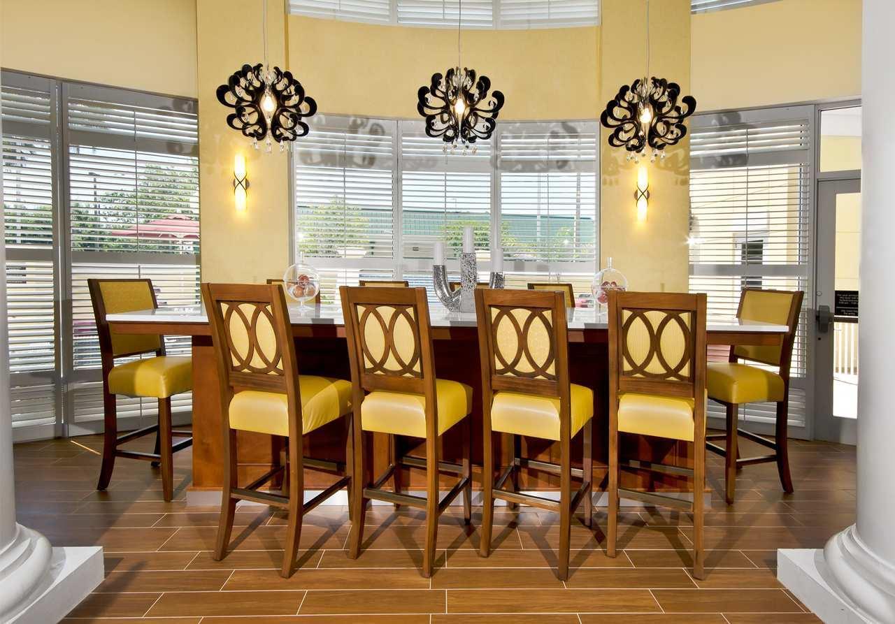 Hampton Inn & Suites Jacksonville South-St. Johns Town Center Area image 2