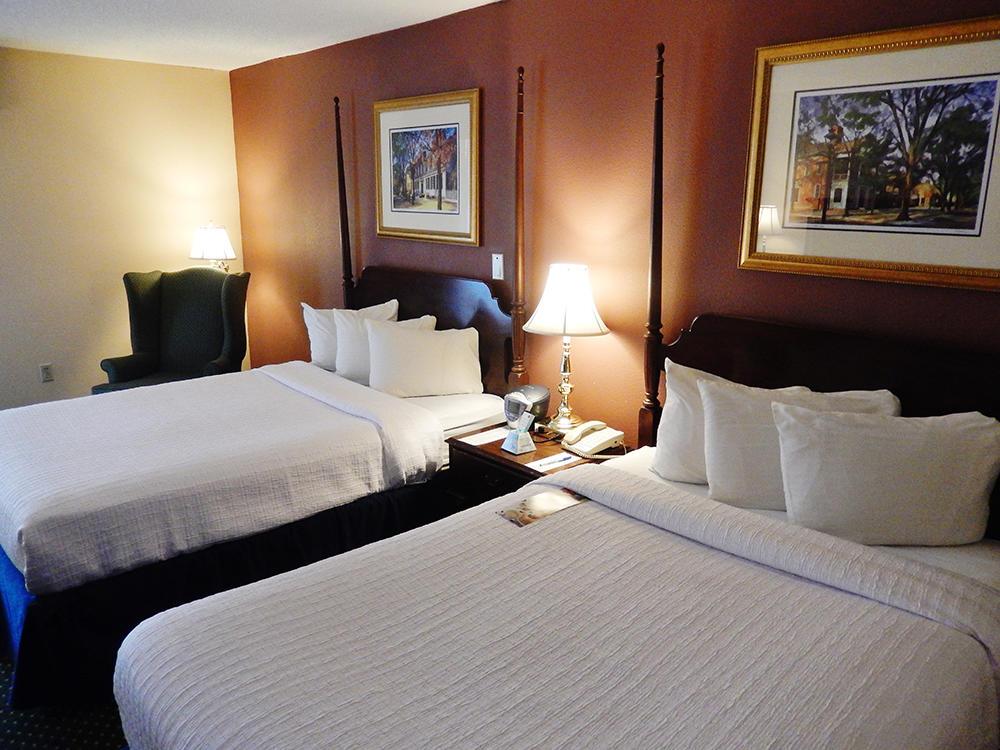 Fort Magruder Hotel and Conference Center image 0