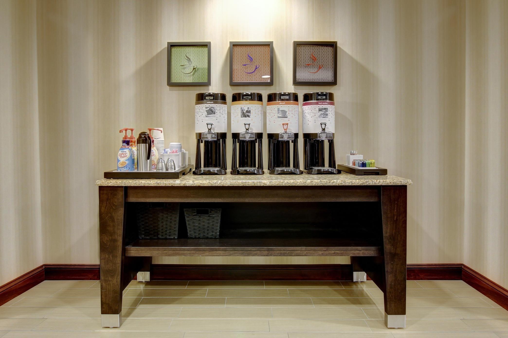 Hampton Inn & Suites Alexandria image 44