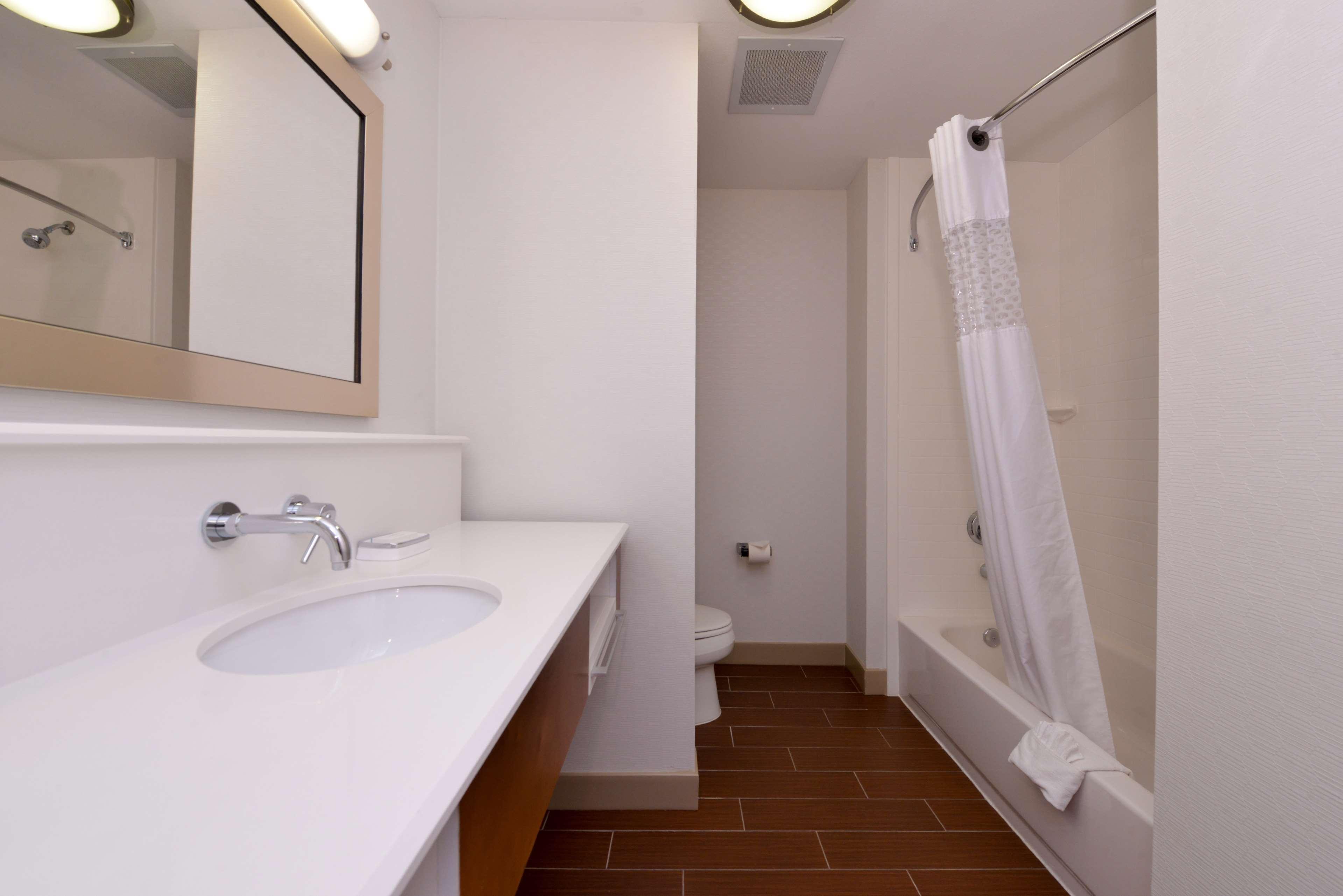 Hampton Inn & Suites Lonoke image 37