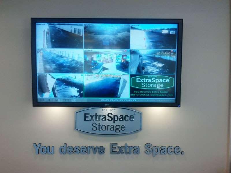 Extra Space Storage 5580 Okeechobee Blvd West Palm Beach, FL  Warehouses Merchandise U0026 Self Storage   MapQuest