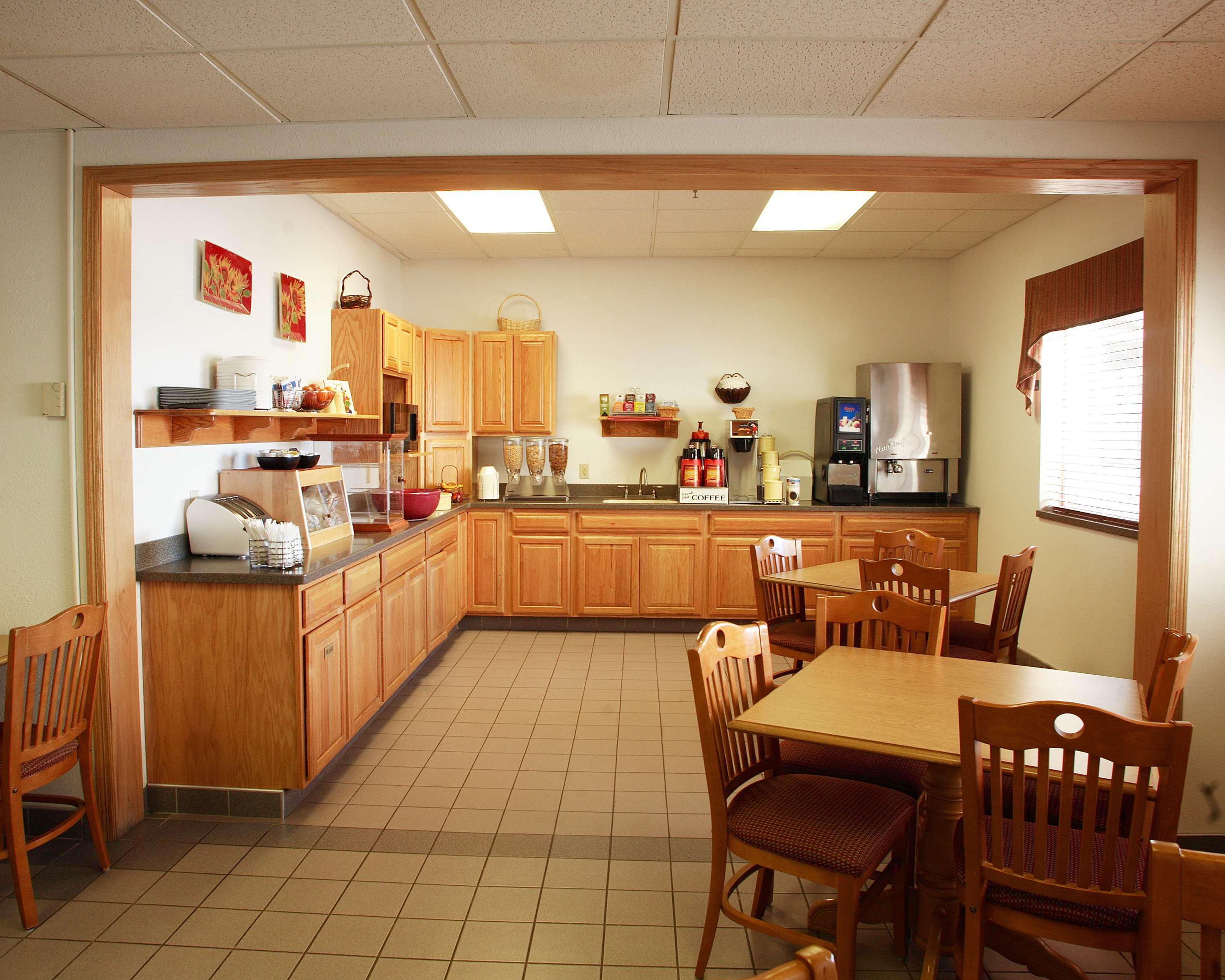 Best Western Of Huron image 22