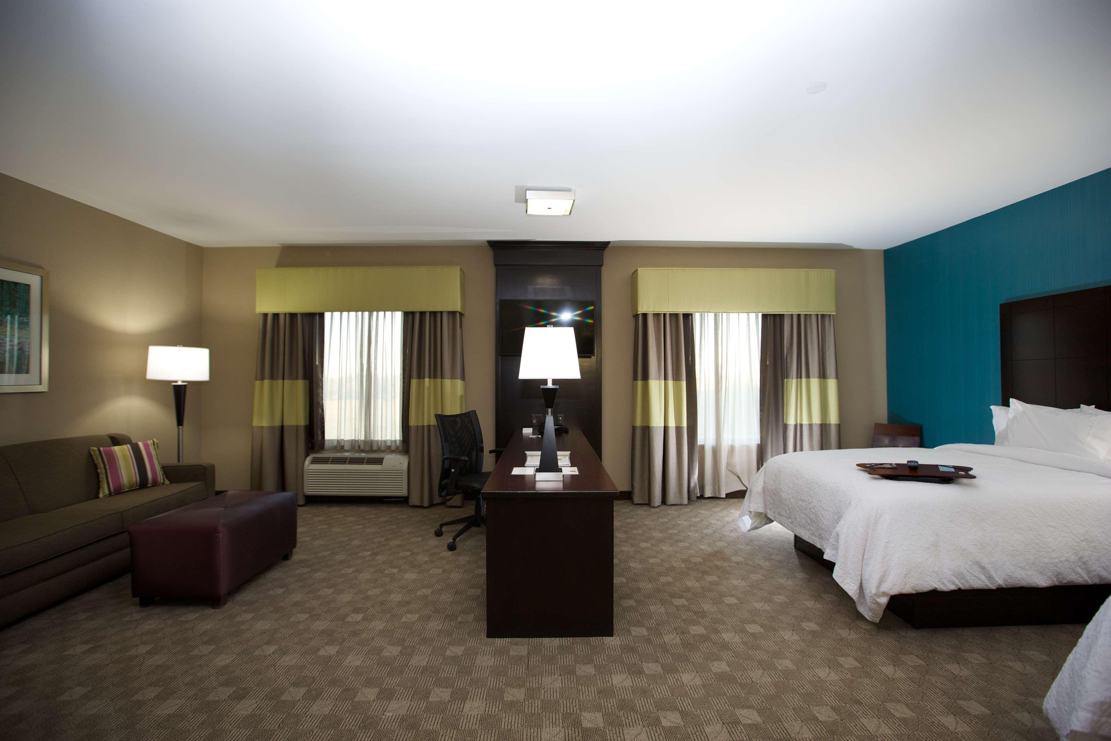 Hampton Inn & Suites Missouri City, TX image 36