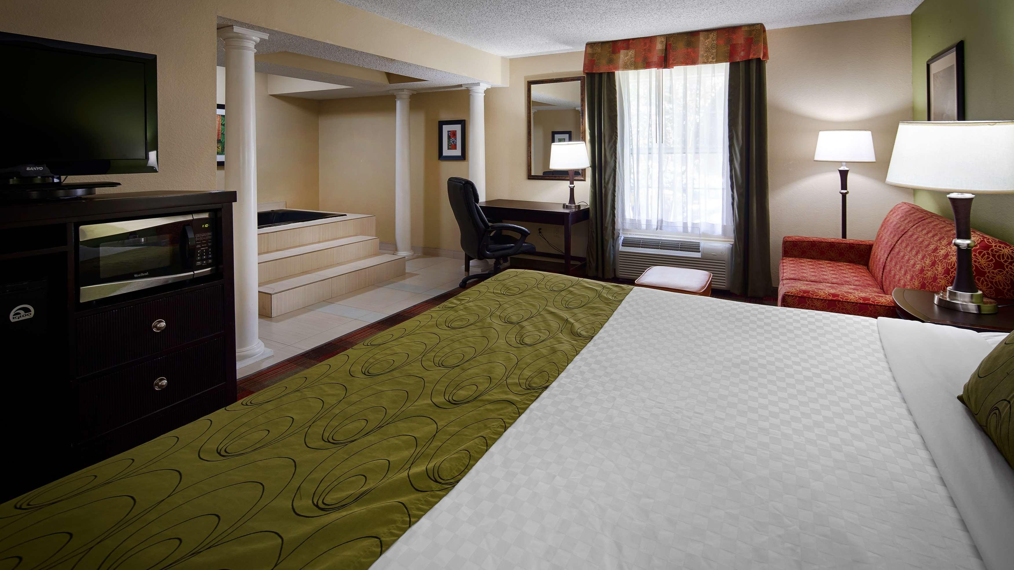 Best Western Plus Addison/Dallas Hotel image 15