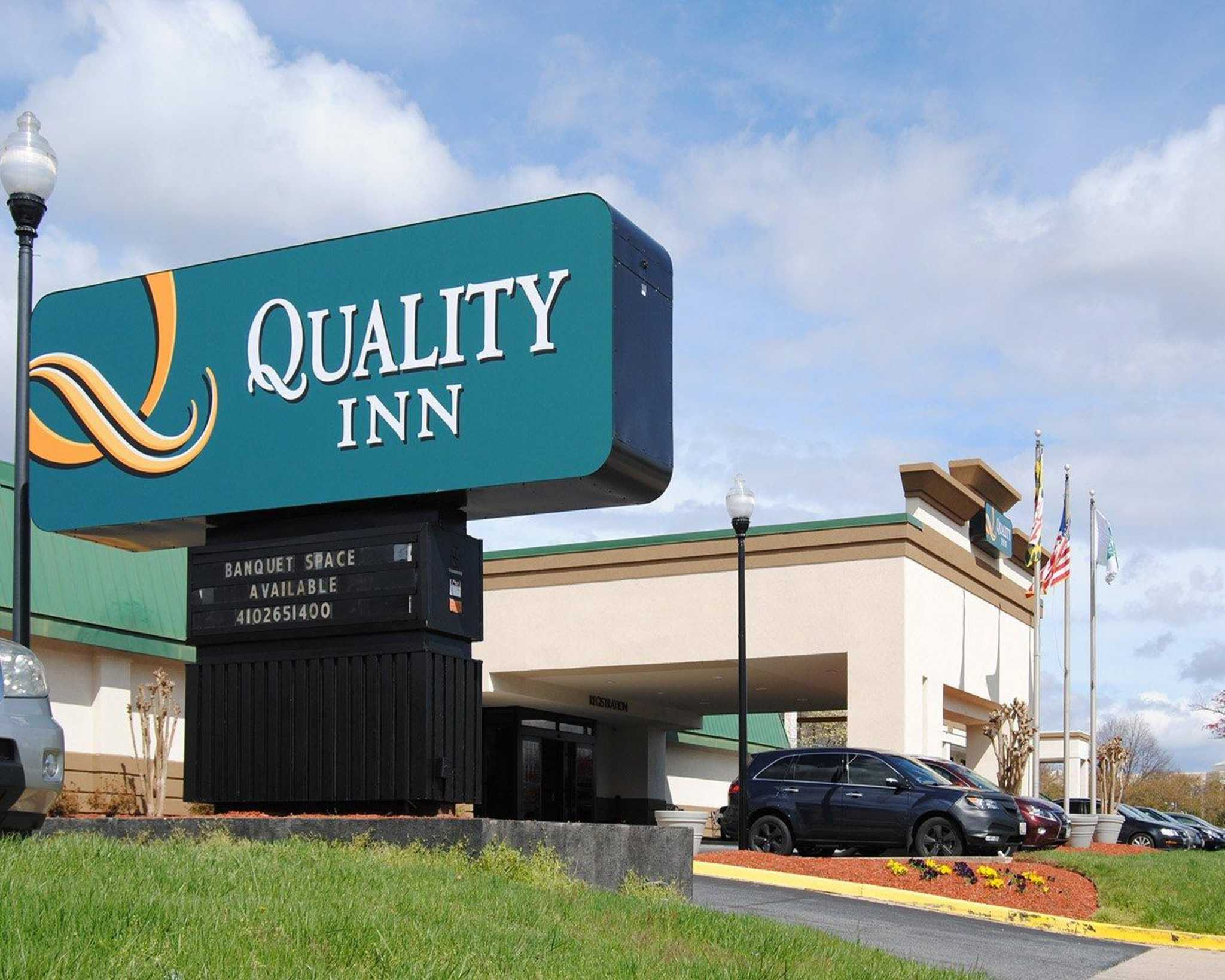 Quality inn in windsor mill md 410 265 1 for Quality hotel