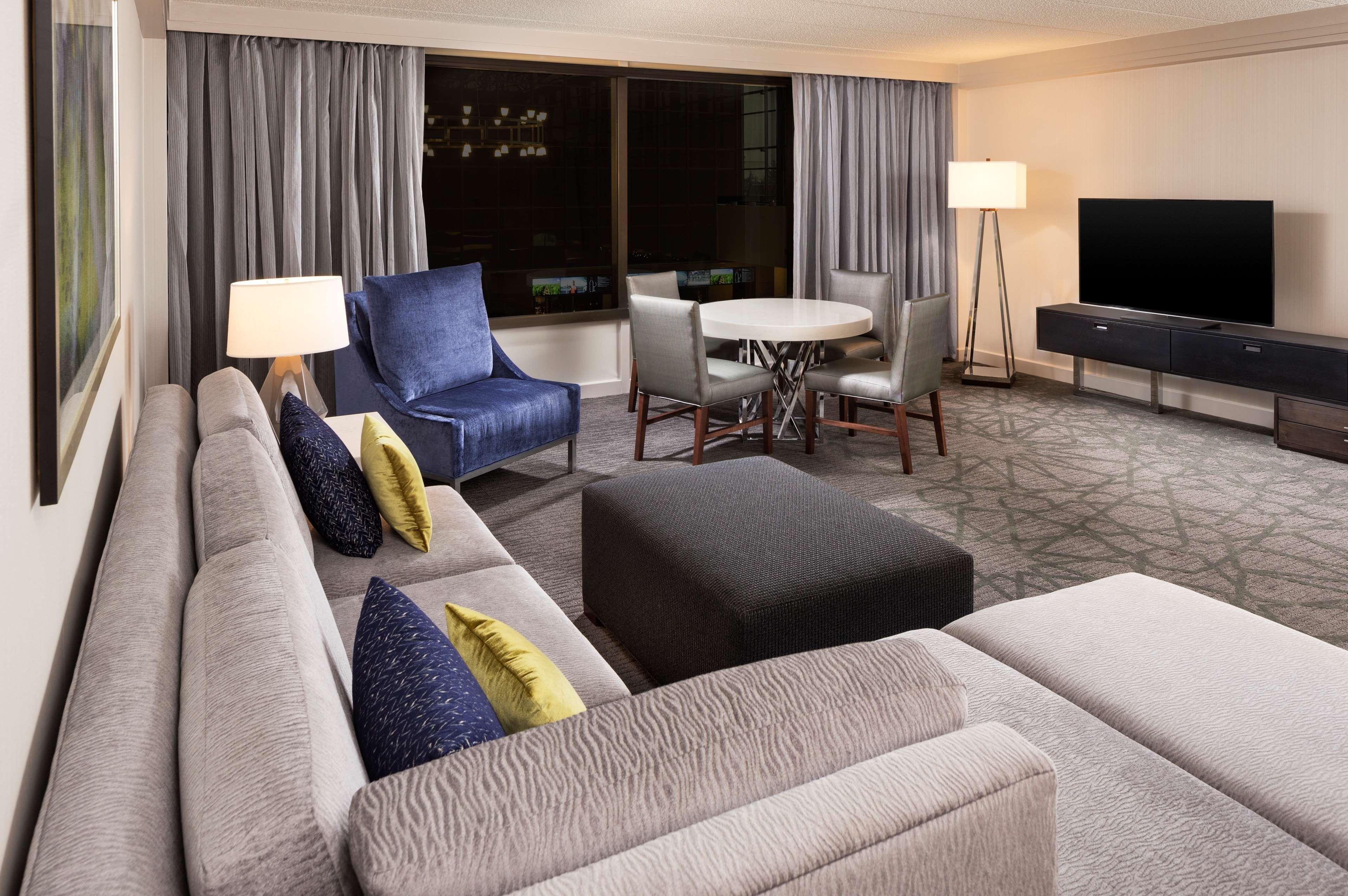 Sheraton Bloomington Hotel image 17