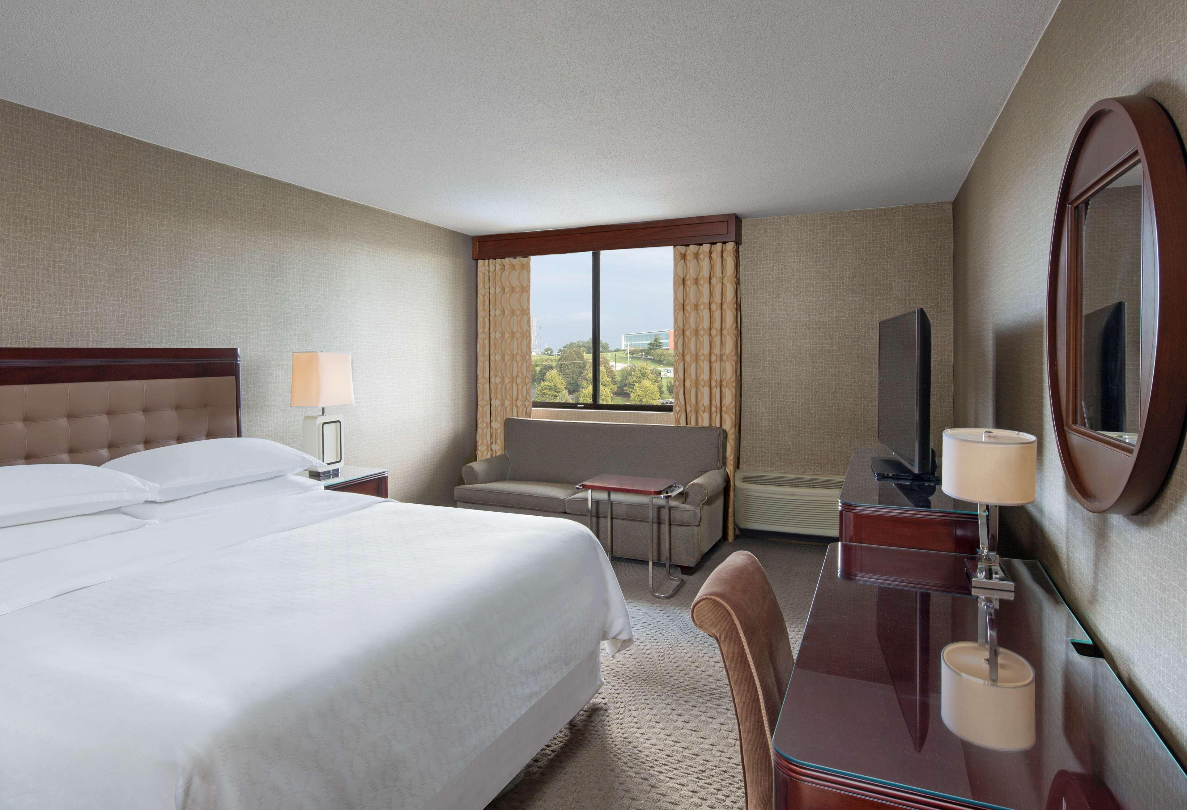 Sheraton Harrisburg Hershey Hotel image 10