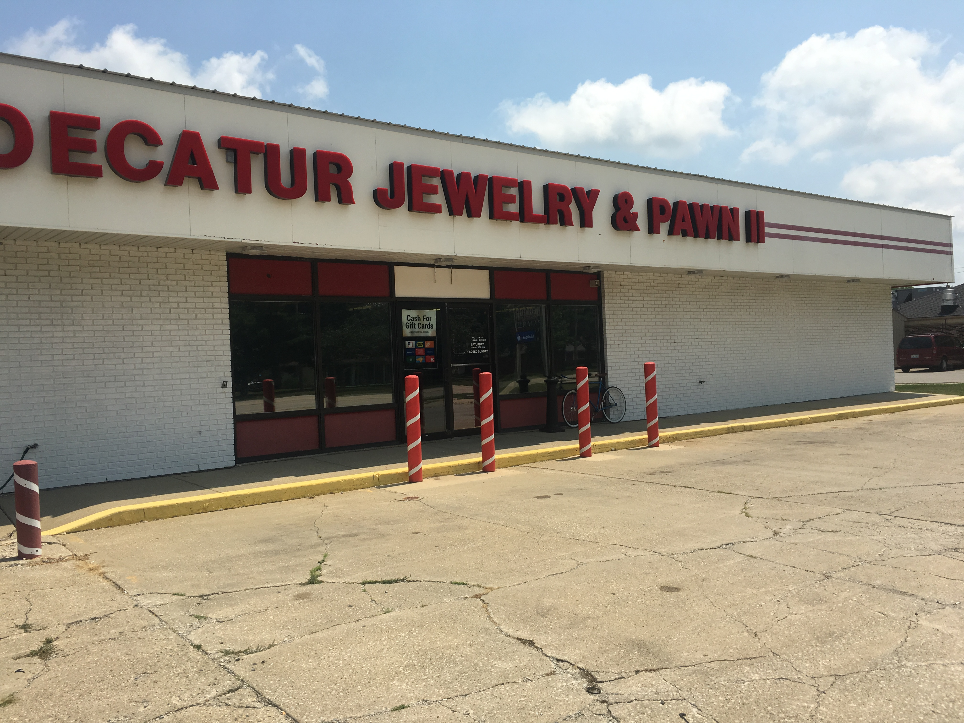 decatur jewelry pawn at 940 n route 121 mount zion il