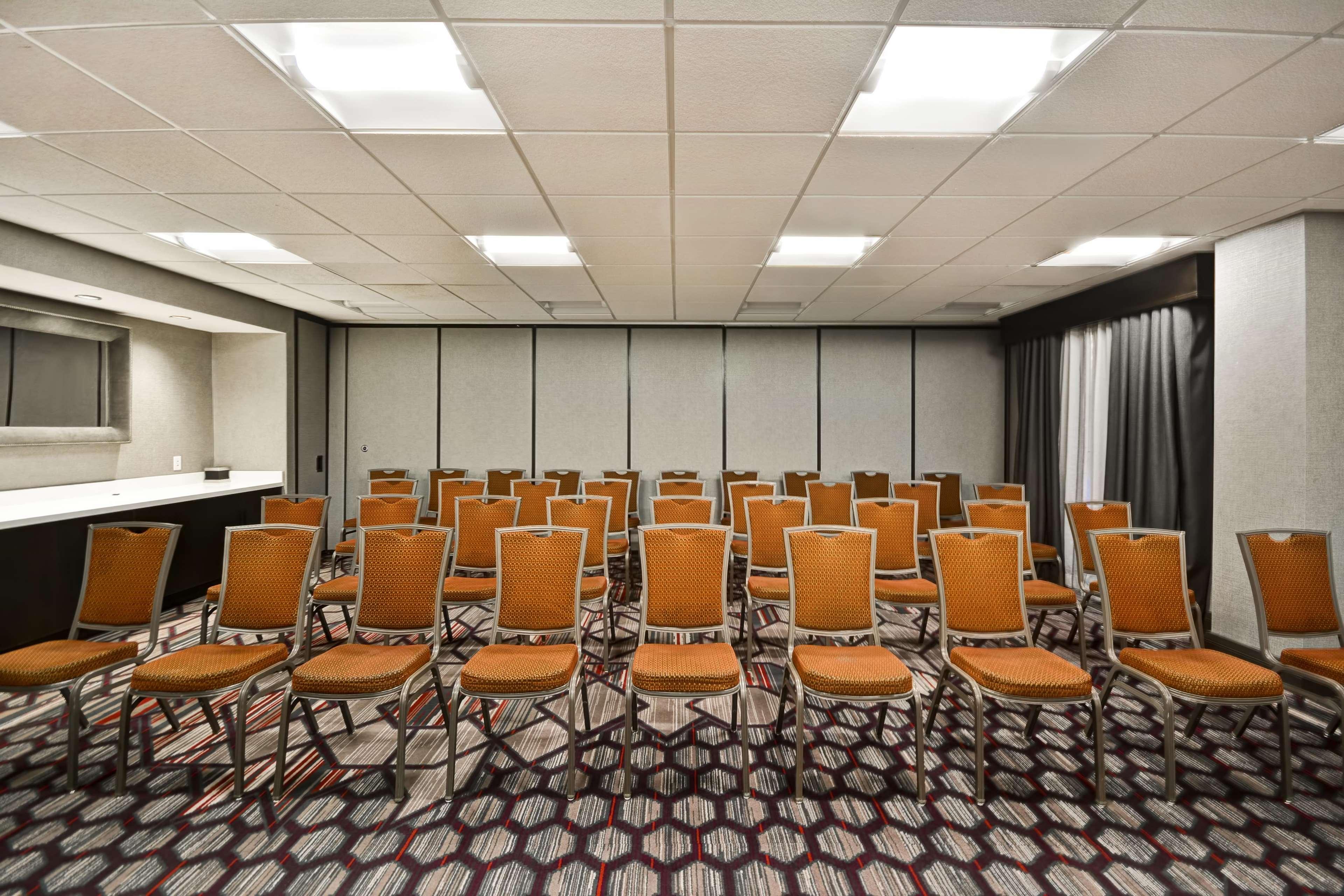 Hampton Inn & Suites Columbus-Easton Area image 61