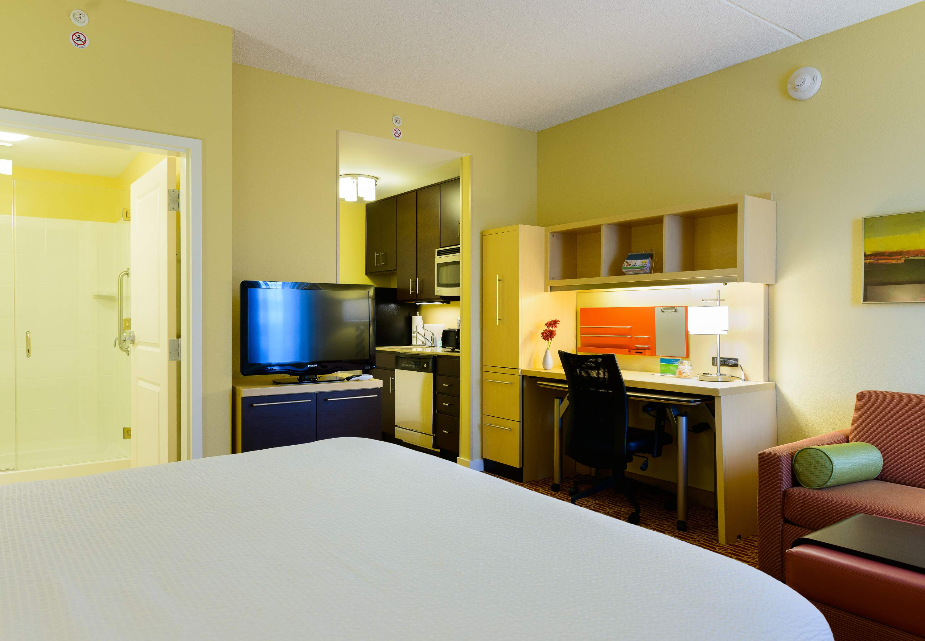 TownePlace Suites by Marriott Frederick image 5