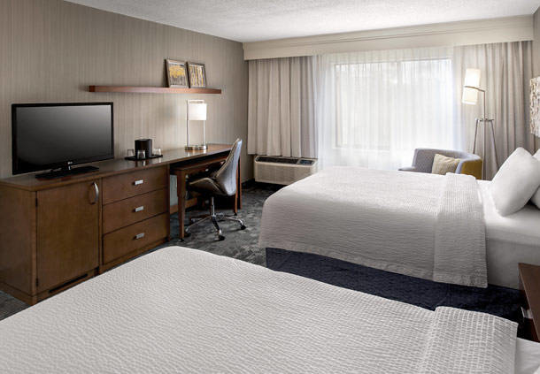 Courtyard by Marriott Parsippany image 3