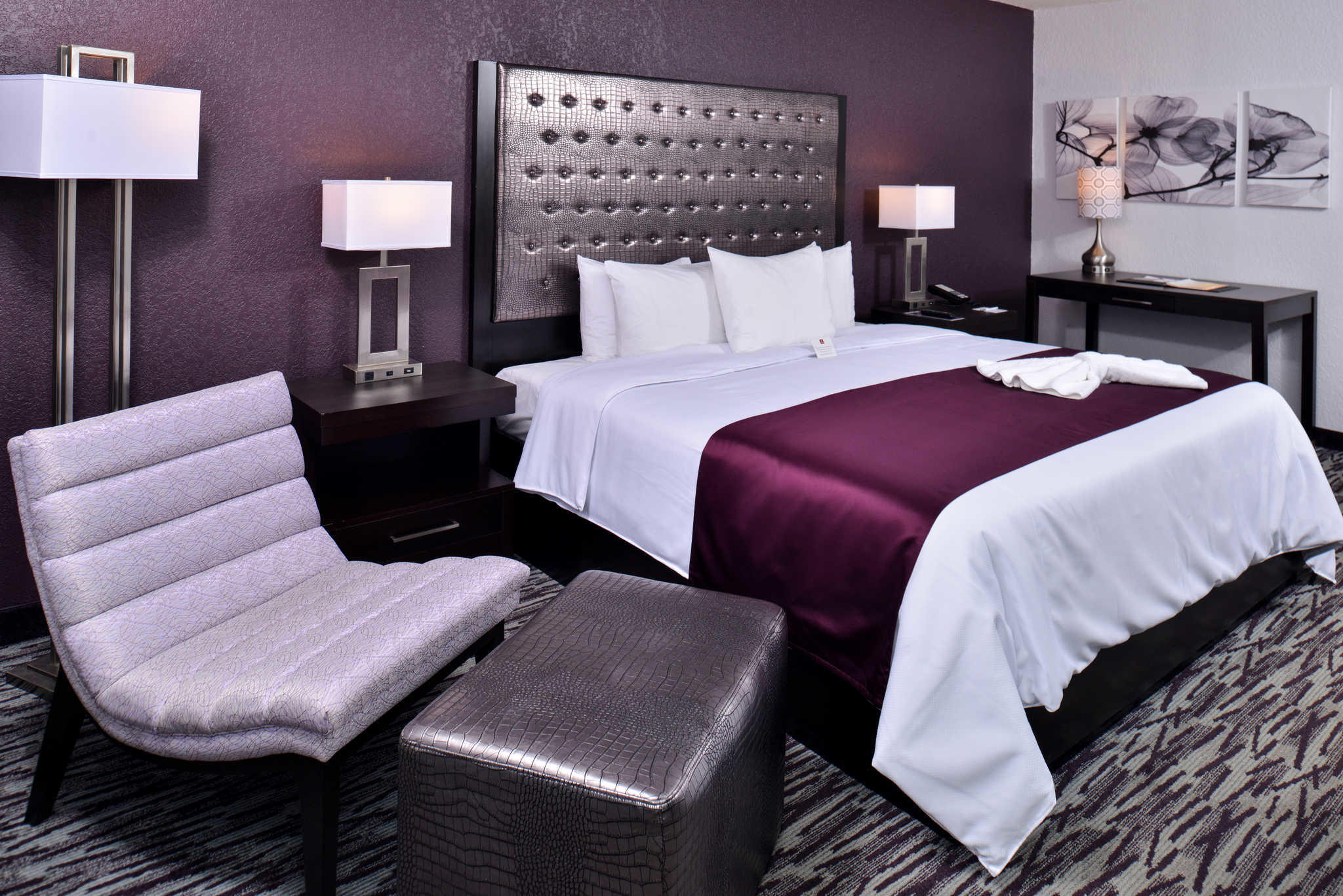 Clarion Inn & Suites Orlando near Theme Parks image 10