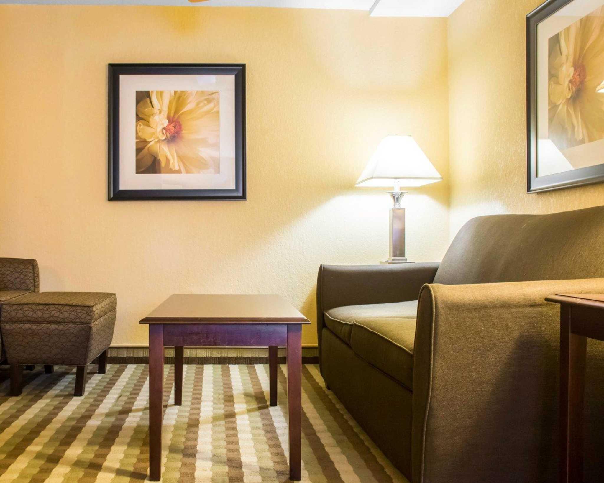 Quality Inn & Suites Fairgrounds image 17