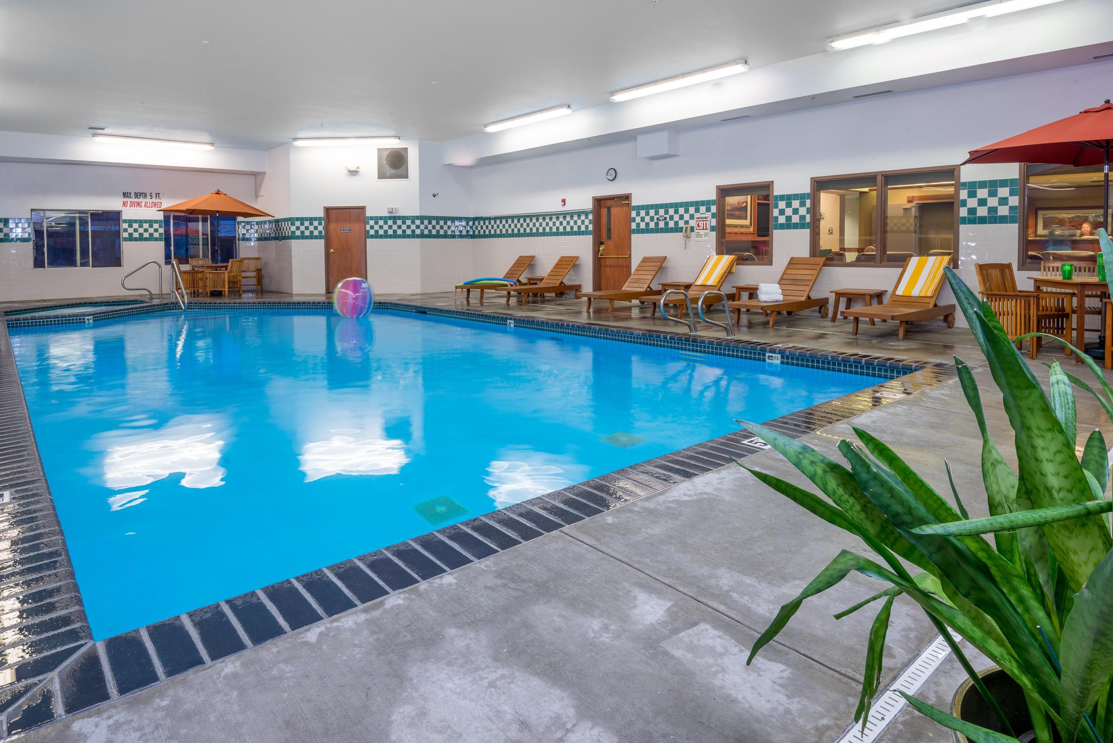 Wood River Inn & Suites image 4