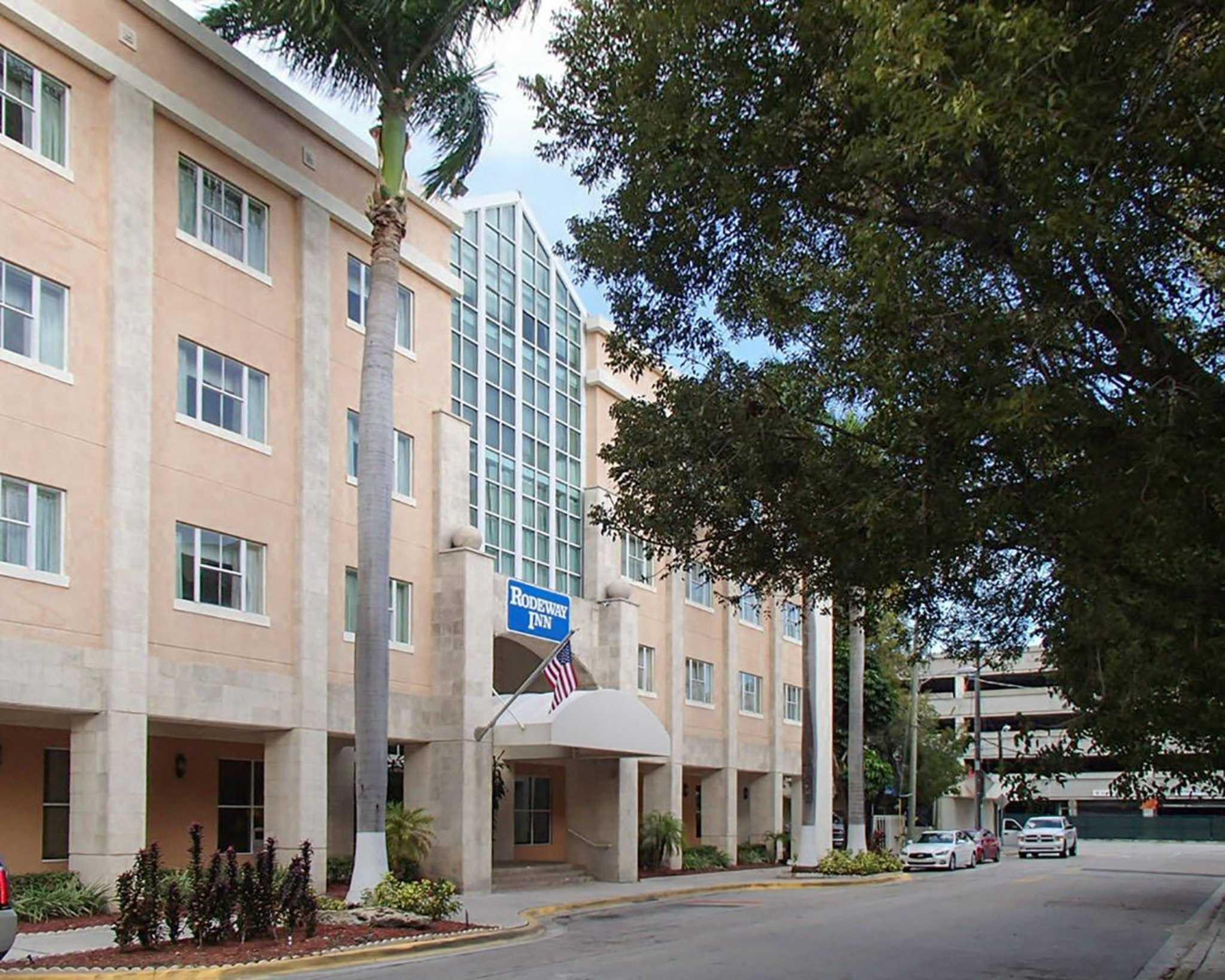Rodeway Inn South Miami - Coral Gables image 0