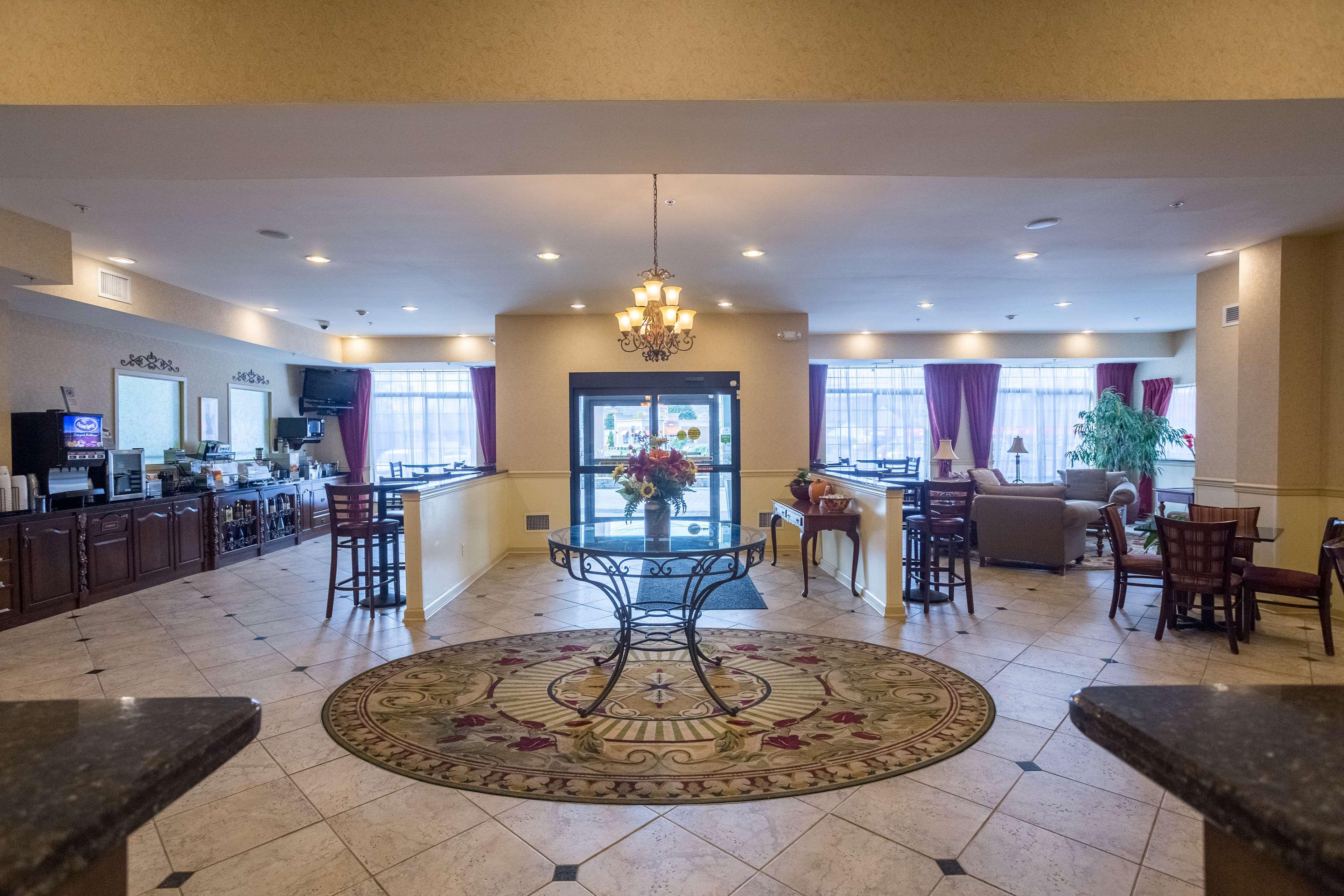 Best Western Plus Vineyard Inn & Suites image 2