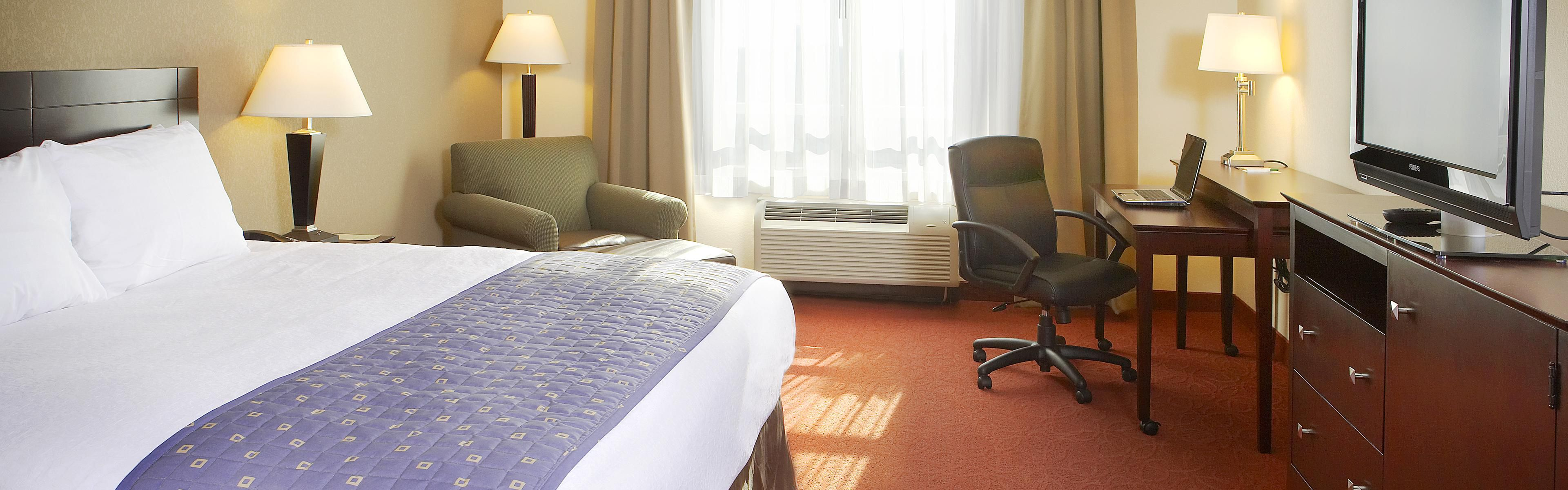 Holiday Inn & Suites West Des Moines-Jordan Creek image 1