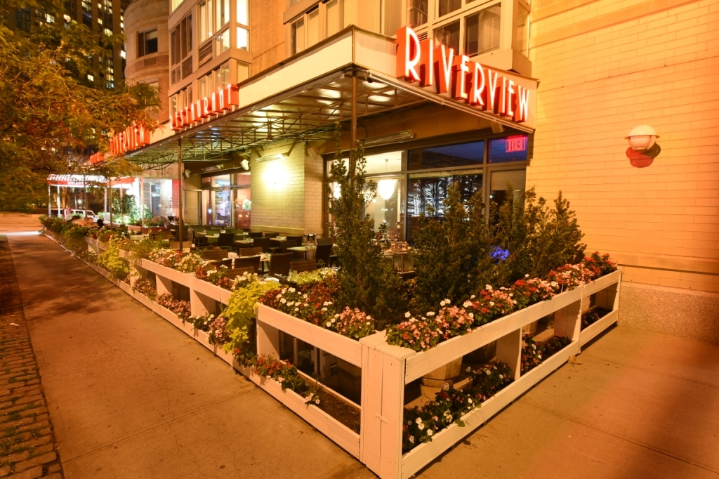 Riverview Restaurant Amp Lounge In Long Island City Ny