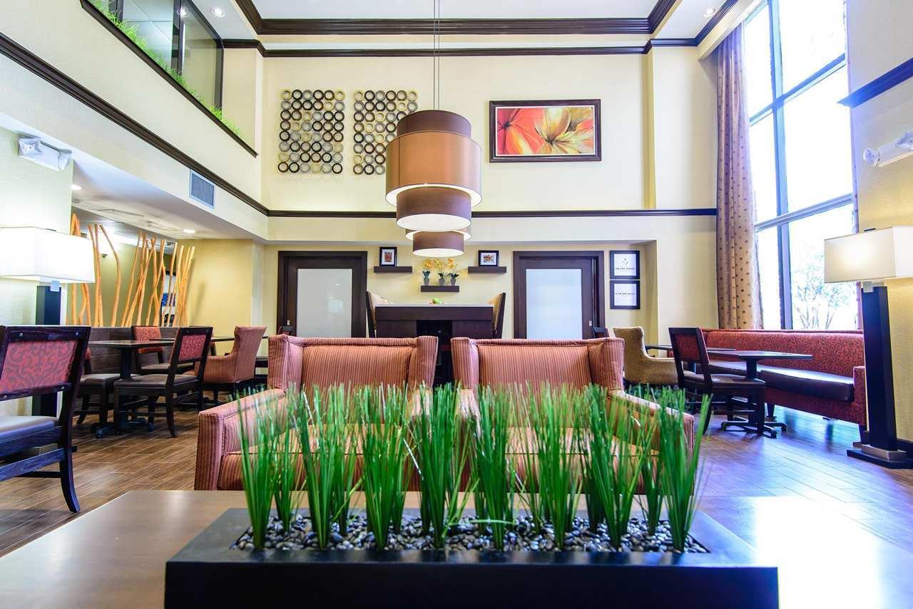 Hampton Inn Houston-Pearland image 7