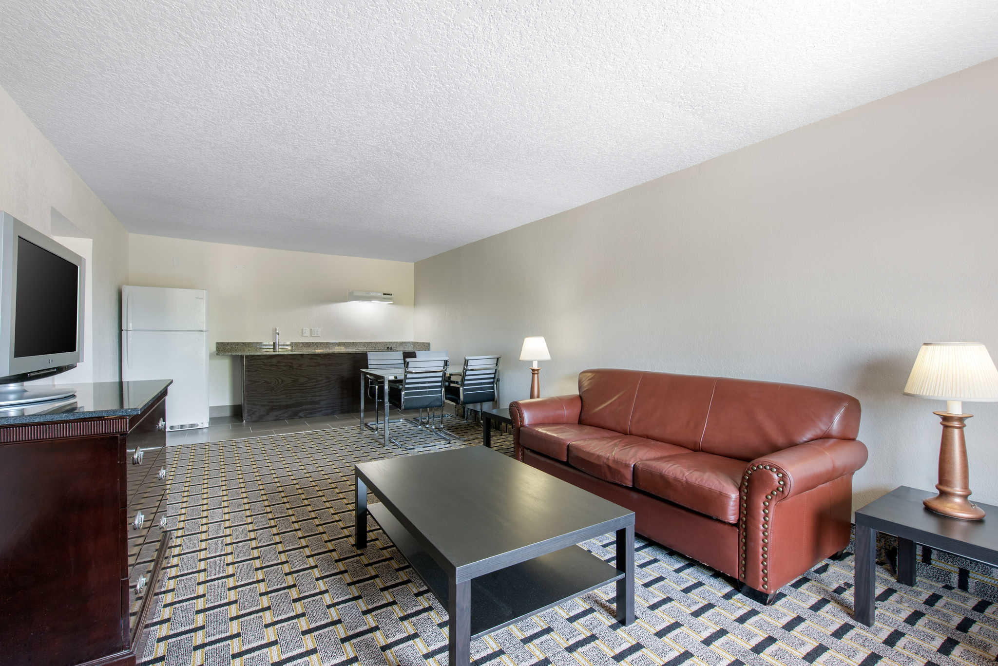 Clarion Inn & Suites Kissimmee-Lake Buena Vista South image 34