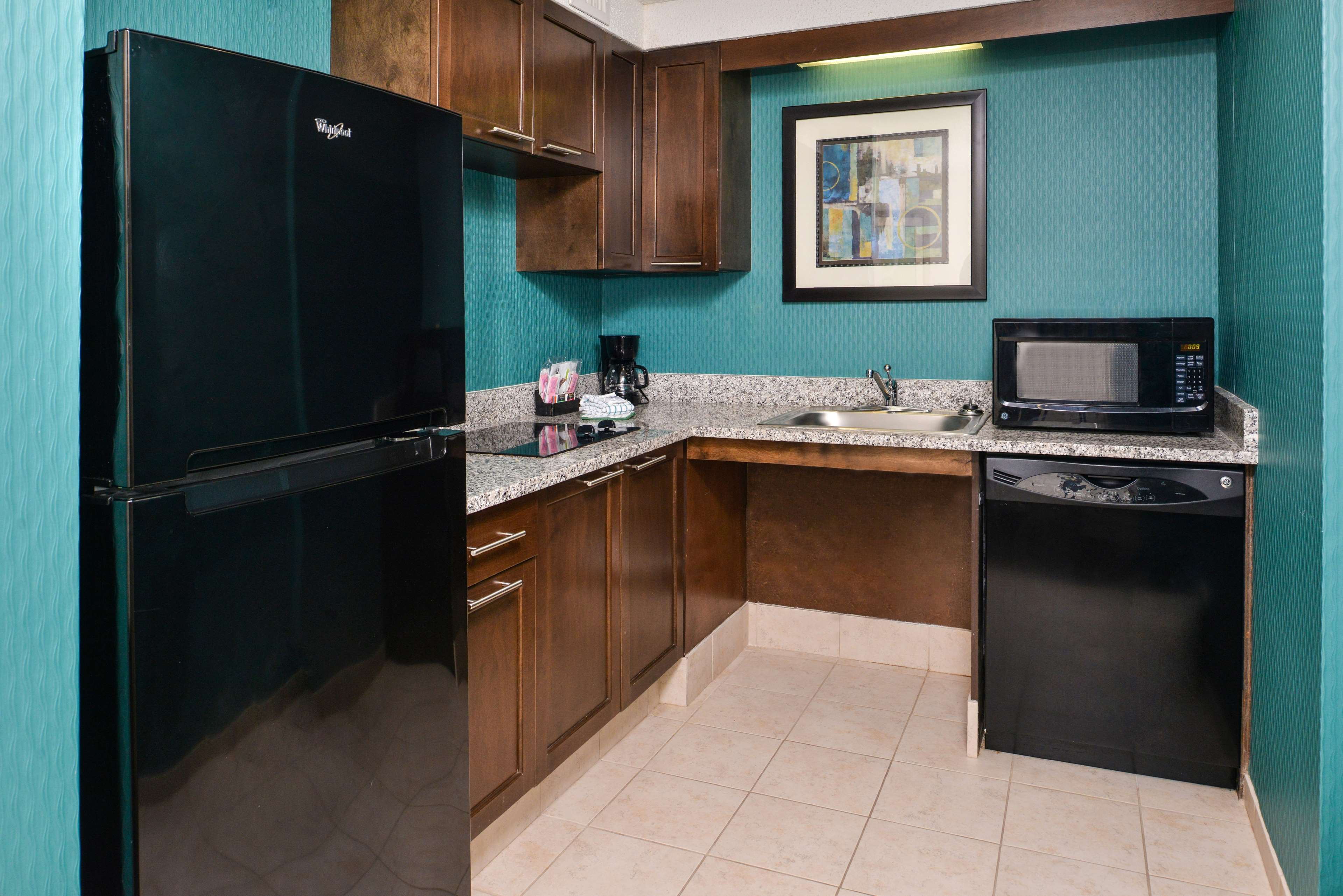 Hampton Inn & Suites Newport News (Oyster Point) image 33