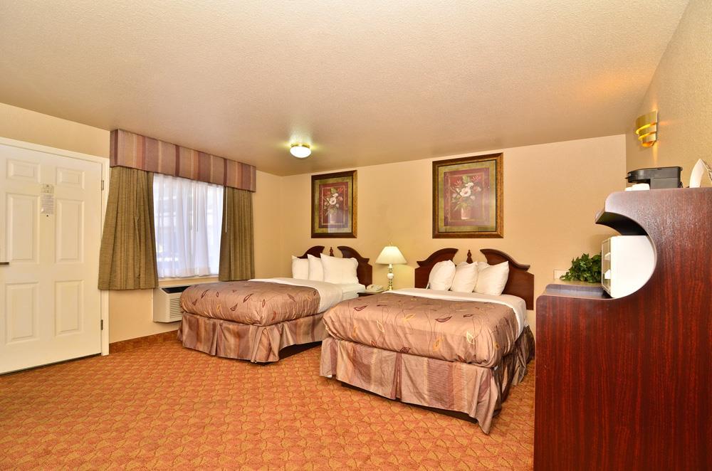Best Western Fallon Inn & Suites image 25