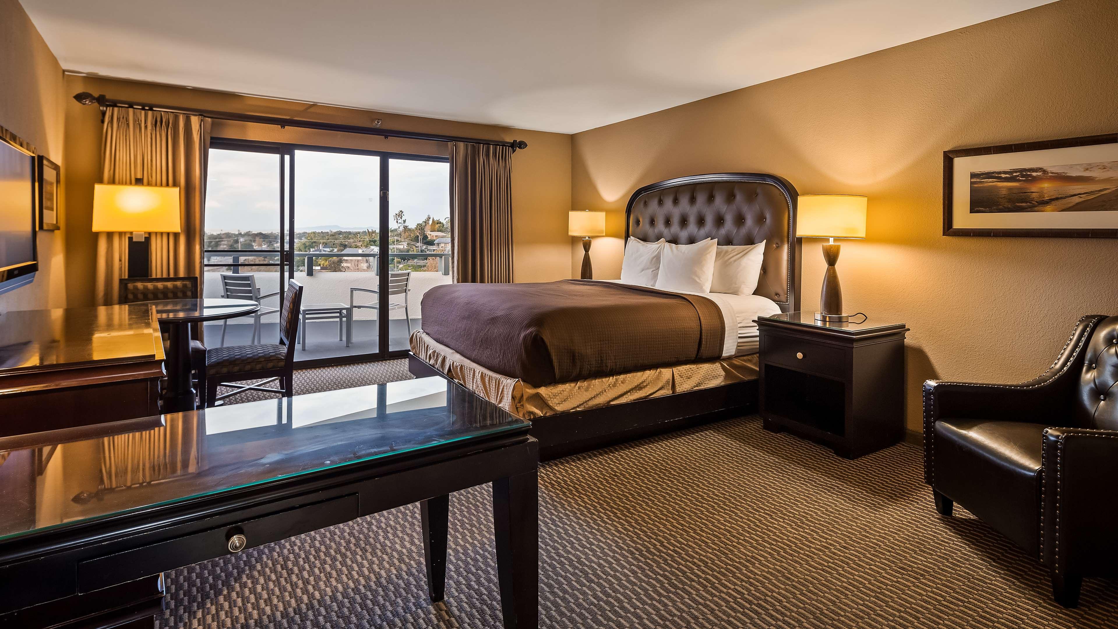 Best Western Encinitas Inn & Suites at Moonlight Beach image 9