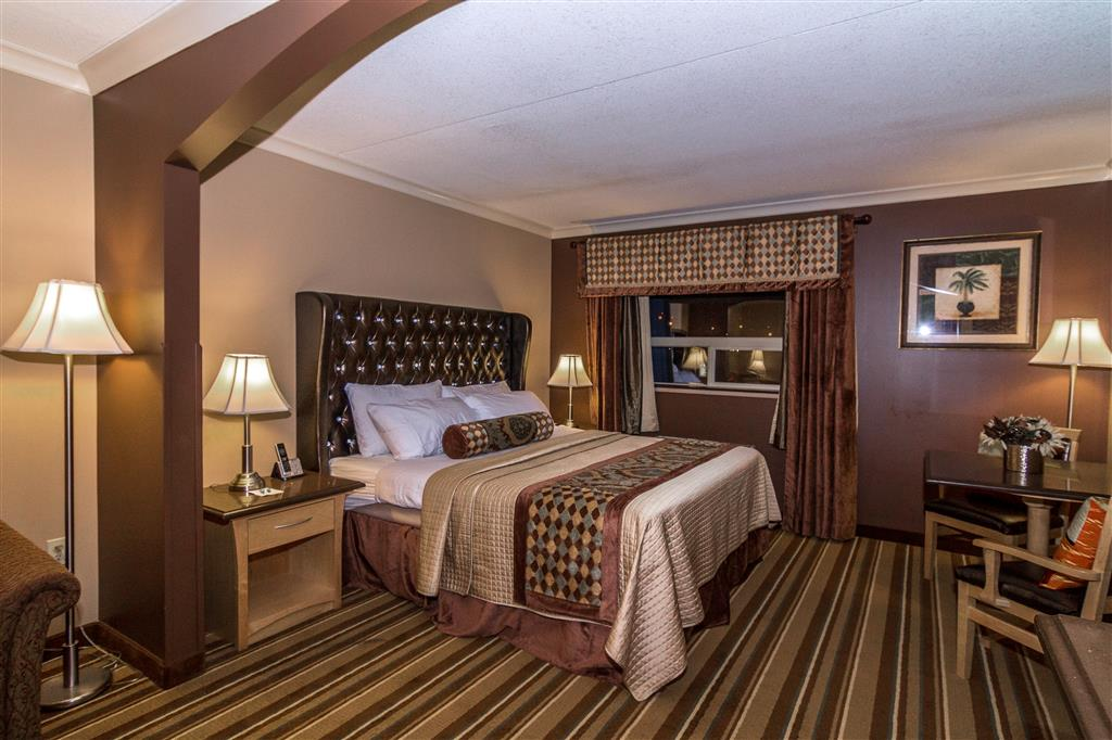 Best Western Marquis Inn & Suites in Prince Albert: King Suite