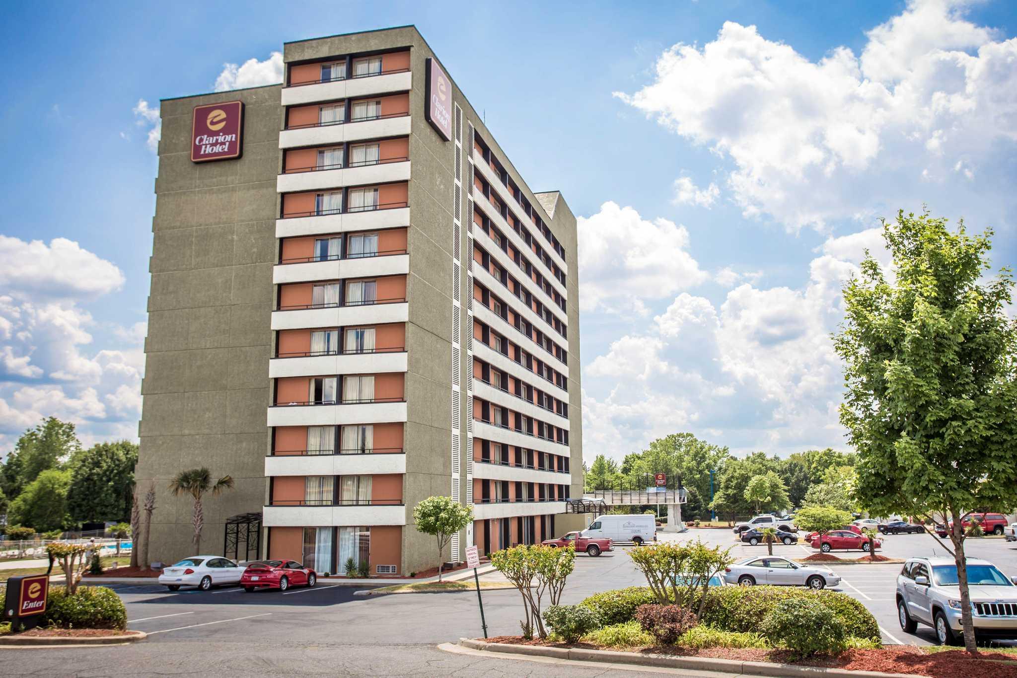clarion hotel at carowinds in fort mill sc 803 548 2. Black Bedroom Furniture Sets. Home Design Ideas