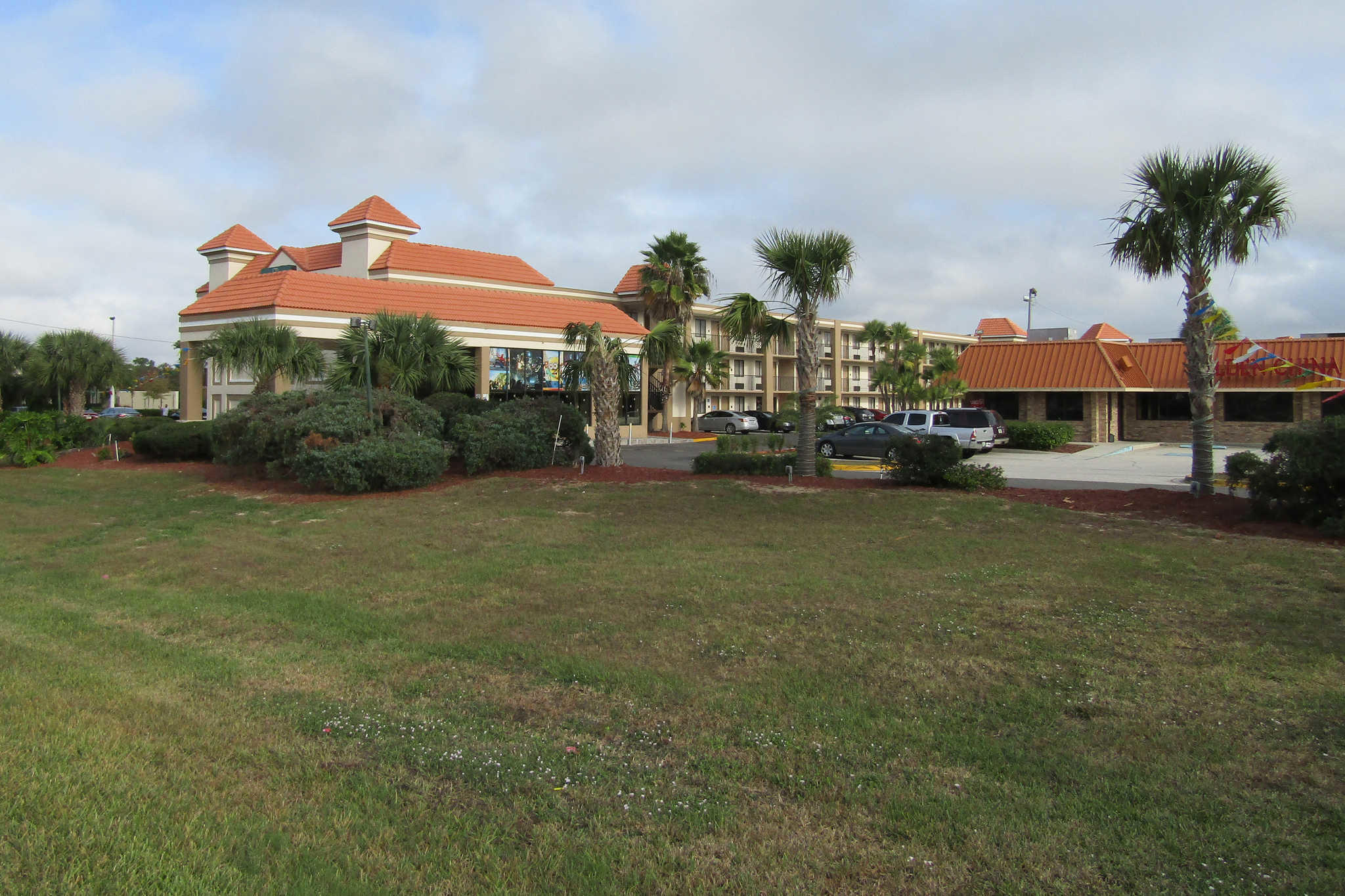 Quality Inn & Suites Kissimmee by The Lake image 3