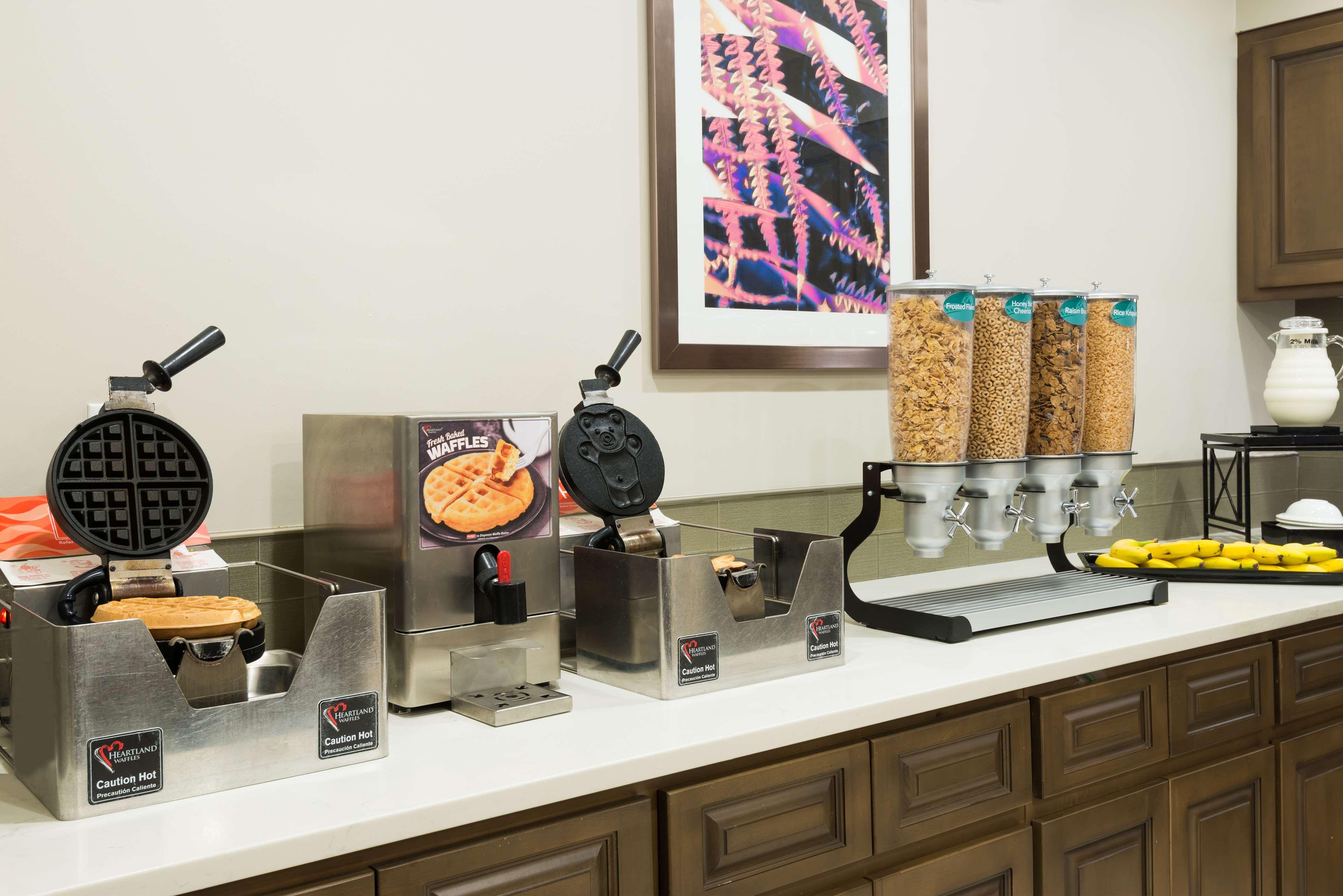 Homewood Suites by Hilton Orlando-UCF Area image 9