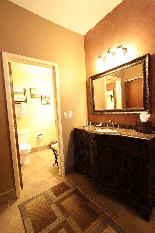Best Western Plus Hannaford Inn & Suites image 33
