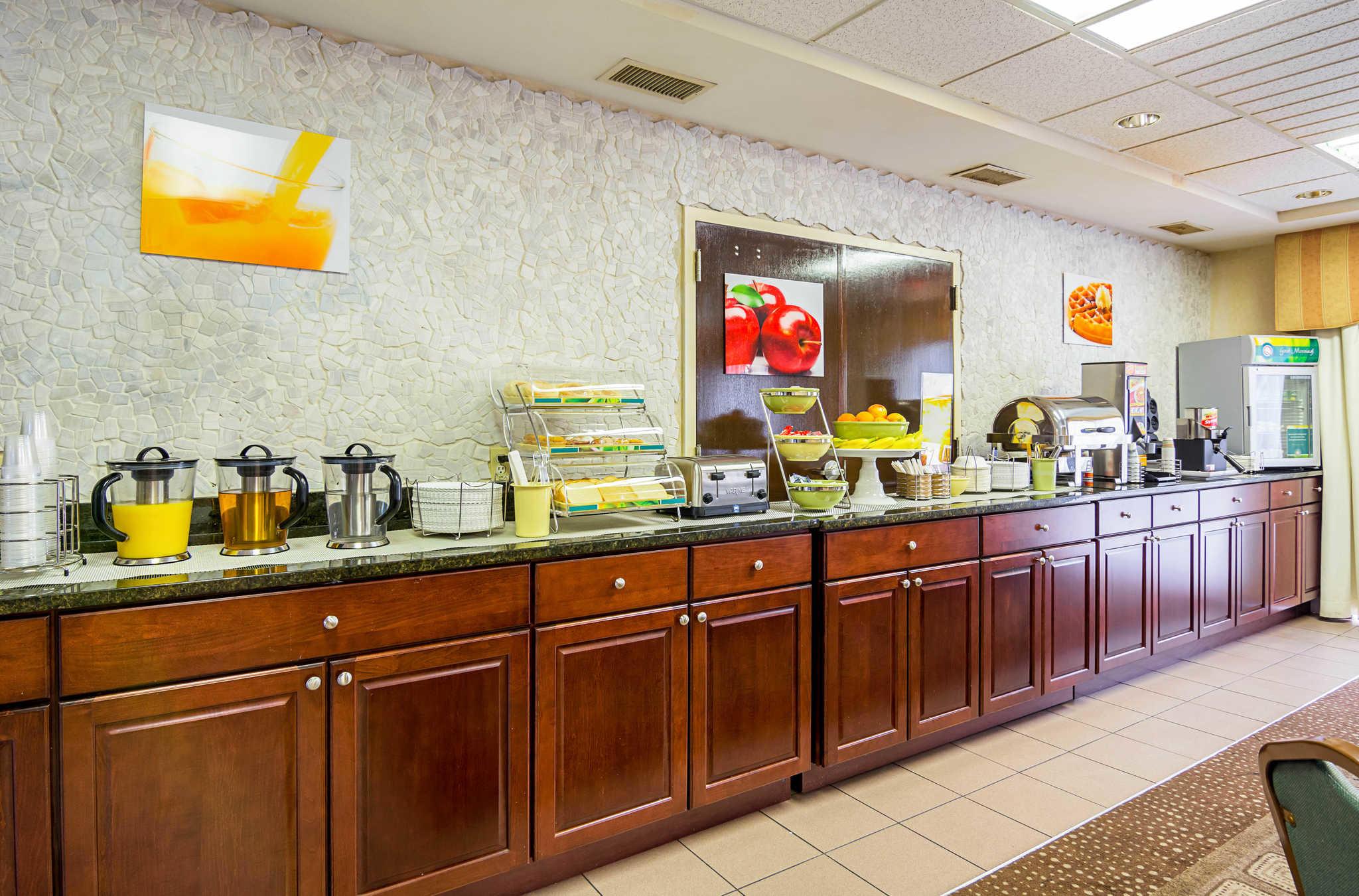 Quality Inn & Suites Kearneysville - Martinsburg image 20