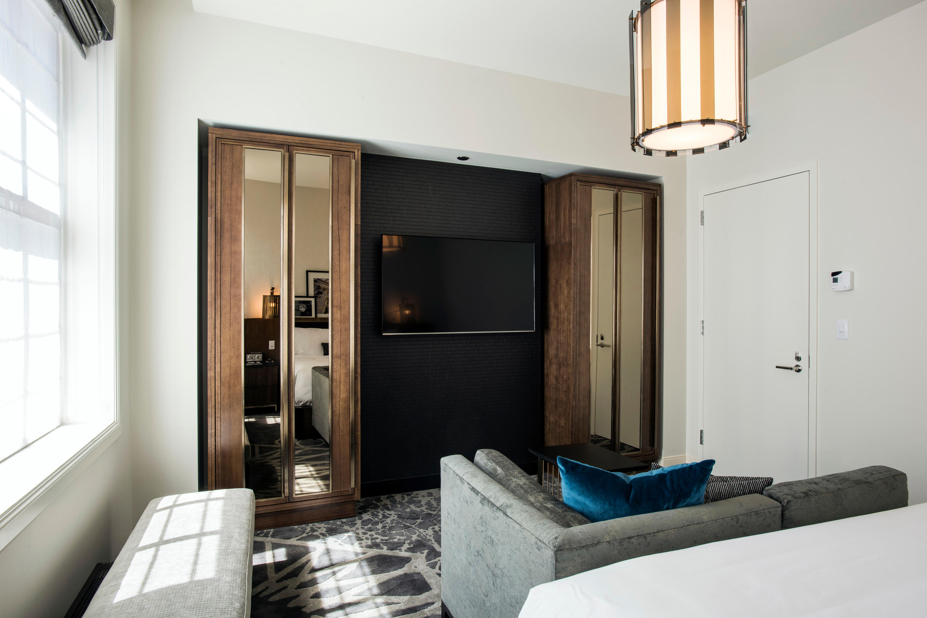 LondonHouse Chicago, Curio Collection by Hilton image 12