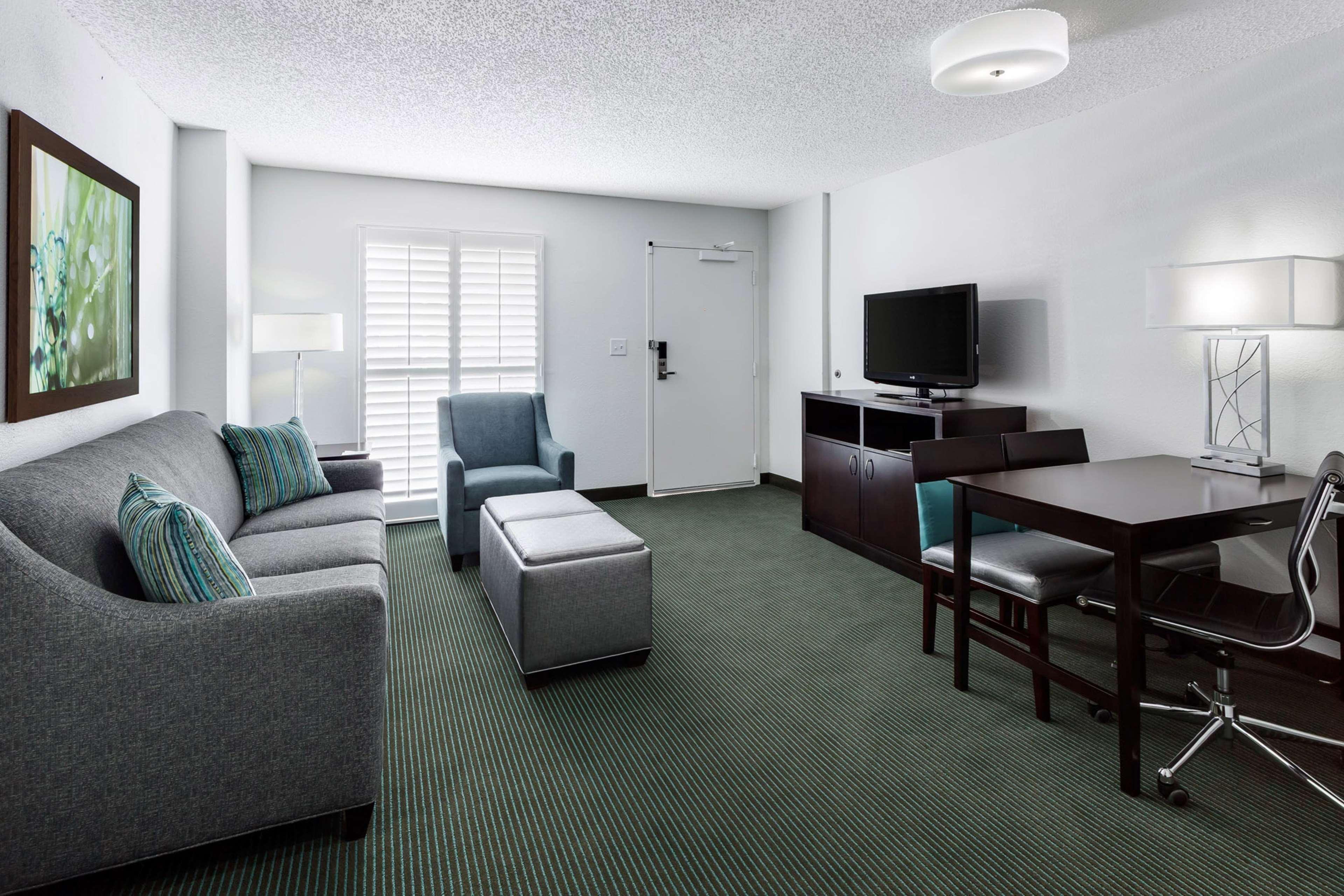 Embassy Suites by Hilton Orlando Lake Buena Vista Resort image 17