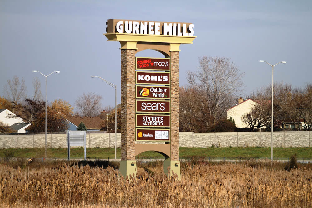 Gurnee Mills, store listings, mall map, hours, directions, hotels, comment forum and more (Gurnee, IL) Other Illinois malls Malls in other states Stores by name/brand Stores by category Special offers & deals Mobile version of this page. Share: Email to a friend. Tweet Gurnee Mills Map.