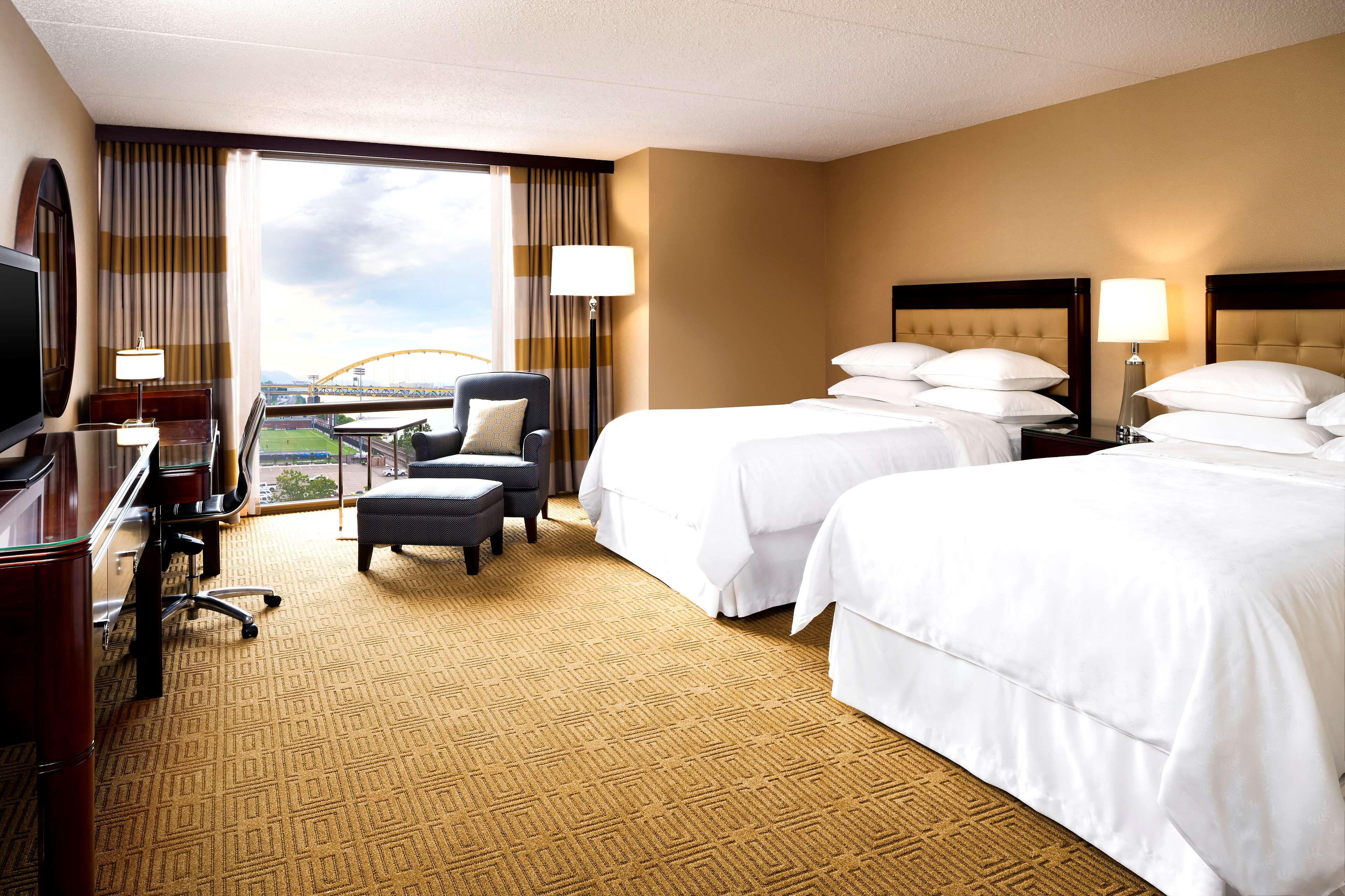 Sheraton Pittsburgh Hotel at Station Square image 9