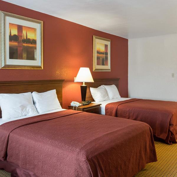 Relax Inn Portsmouth, VA image 3