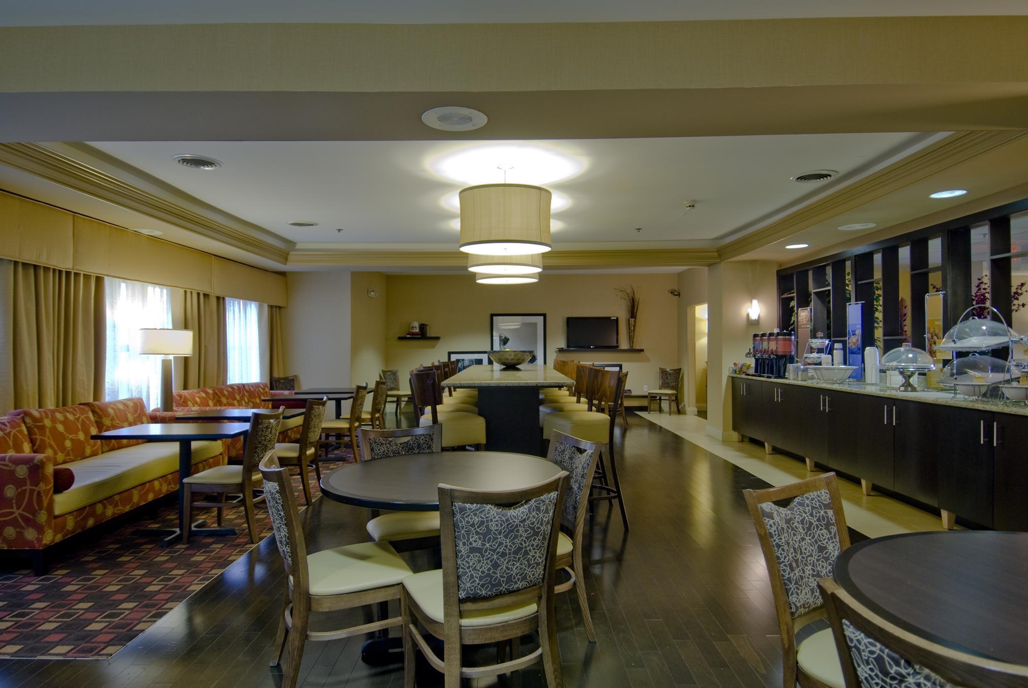 Hampton Inn Corydon image 7