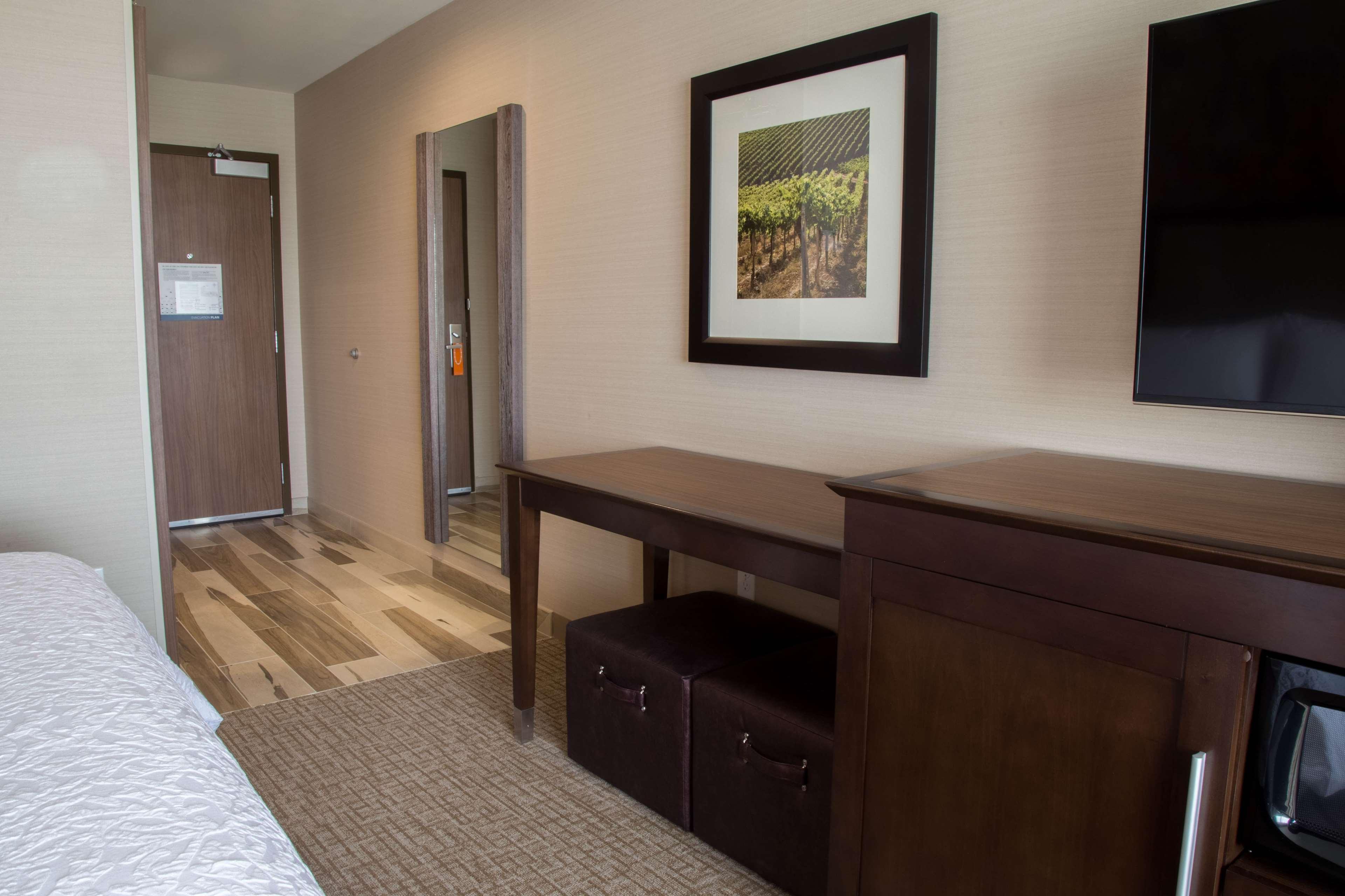 Hampton Inn & Suites Murrieta Temecula image 16